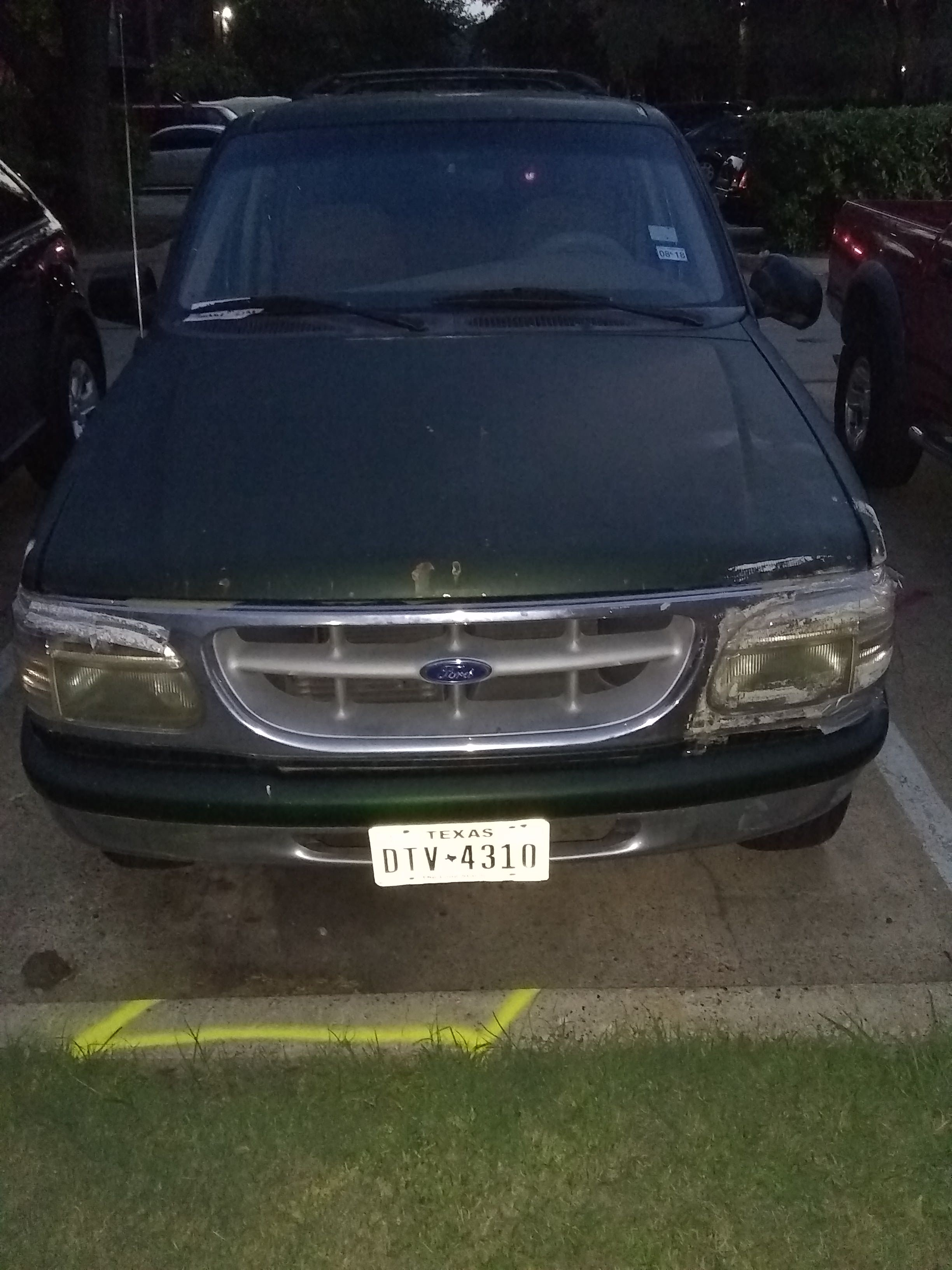 Junk 1997 Ford Explorer in Dallas