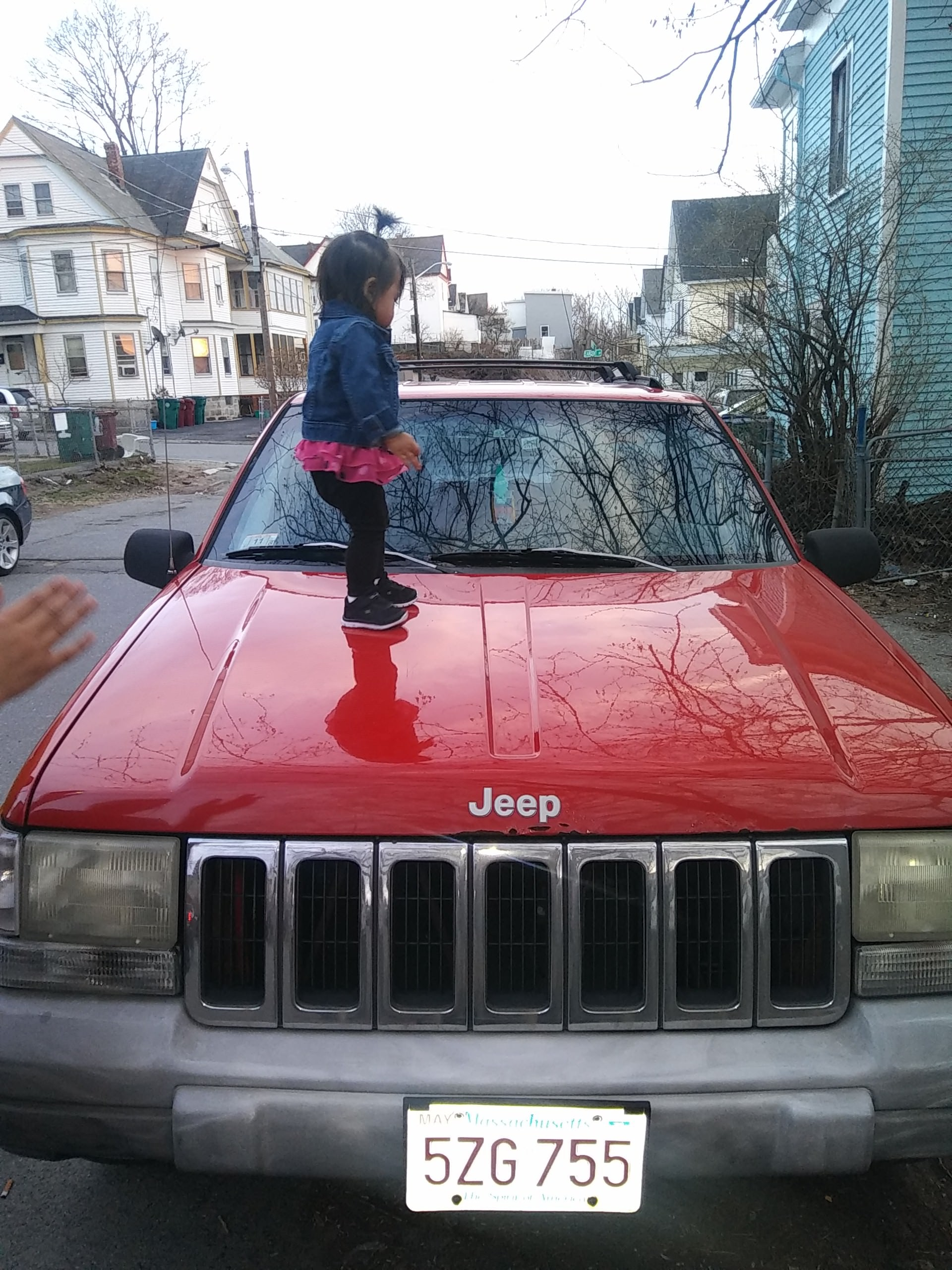 Junk 1997 Jeep Grand Cherokee in Lowell