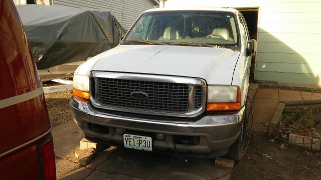 Junk 2001 Ford Excursion in Florissant