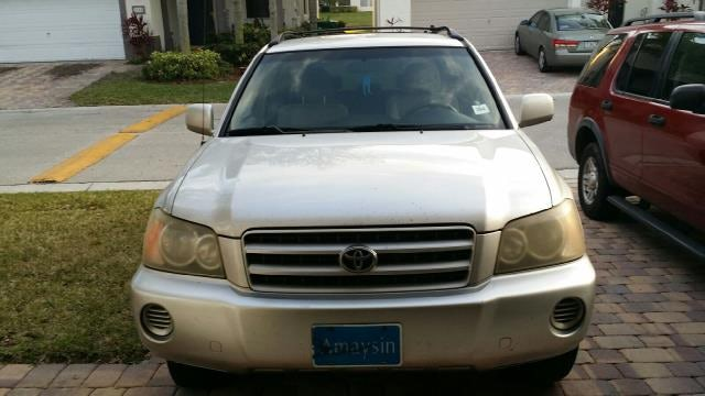 Junk 2001 Toyota Highlander in West Palm Beach