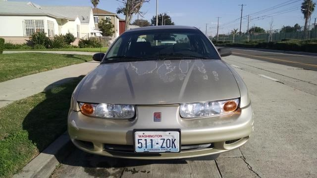 Junk 2002 Saturn SL2 in Los Angeles