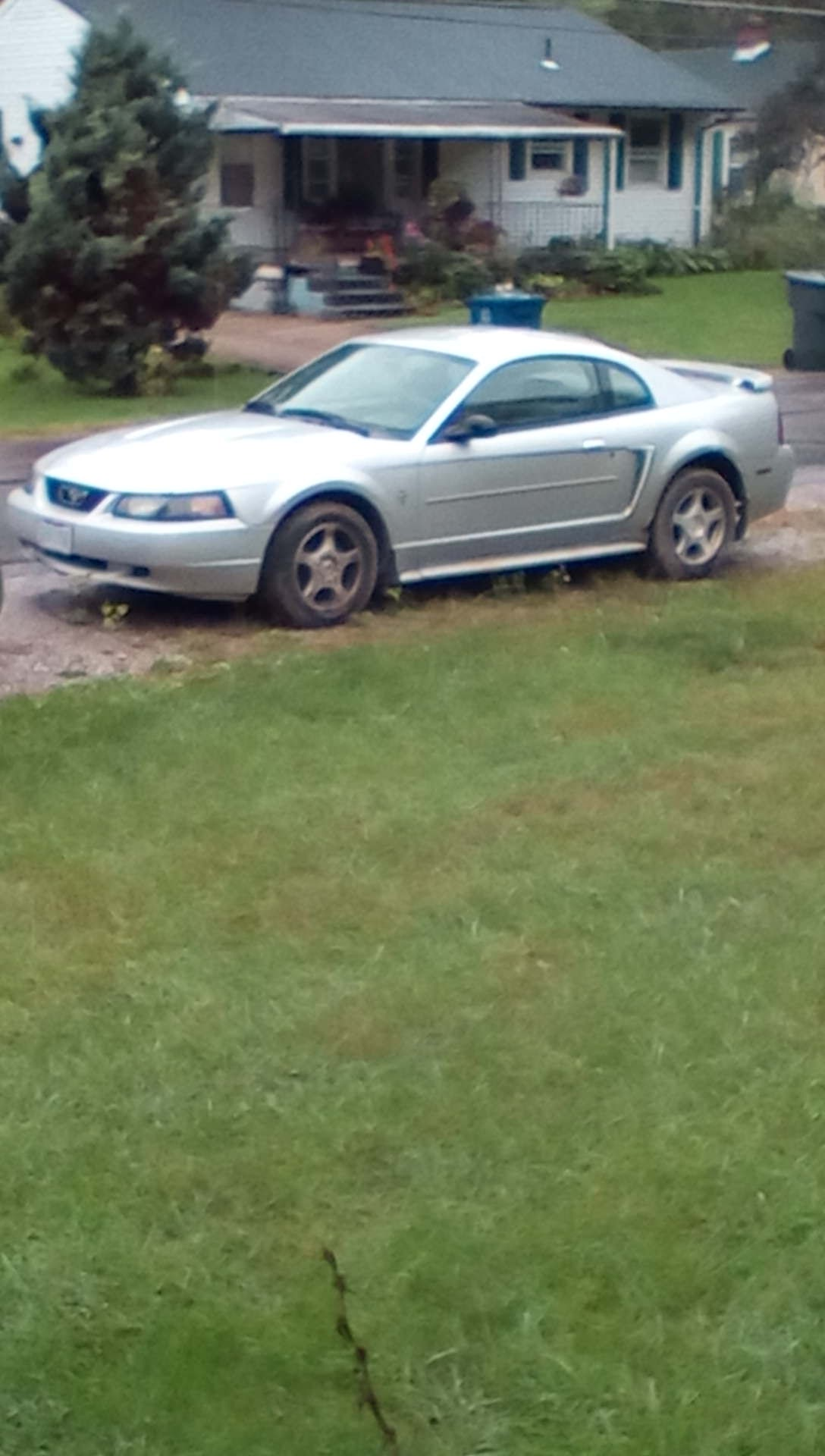 Junk 2003 Ford Mustang in Columbus
