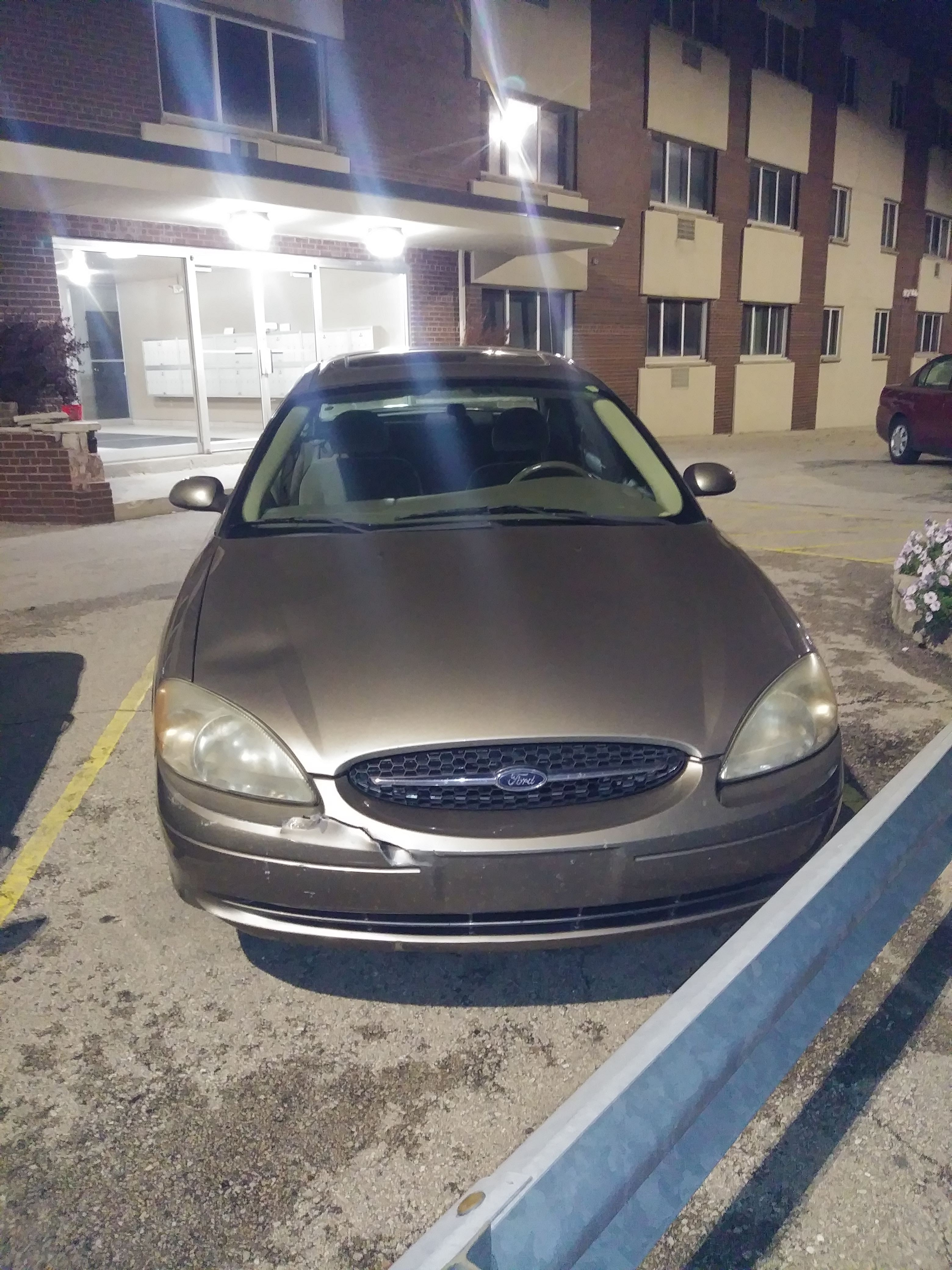 Junk 2003 Ford Taurus in Milwaukee