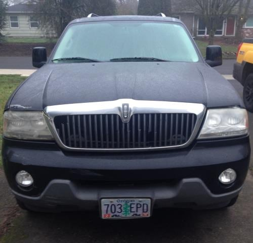 Junk 2003 Lincoln Aviator in Beaverton