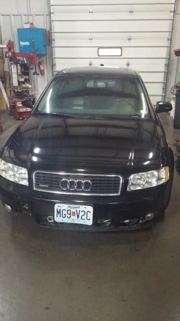 Junk 2004 Audi A4 in Merriam