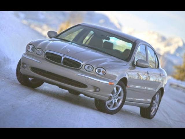 Junk 2004 Jaguar X-Type in Camarillo