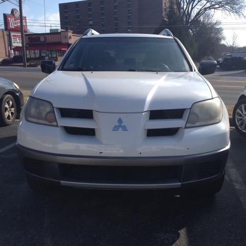Junk 2004 Mitsubishi Outlander in Madison