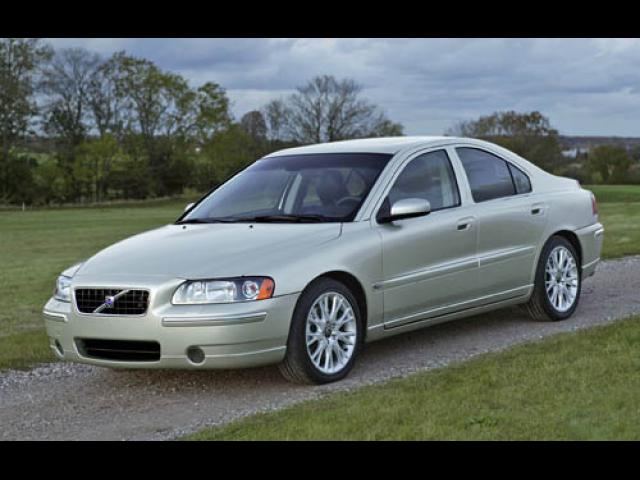 Junk 2005 Volvo S60 in Detroit
