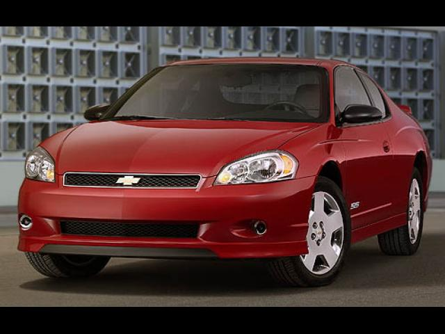 Junk 2007 Chevrolet Monte Carlo in Houston