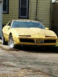 Junk 1982 Pontiac Firebird in Milwaukee