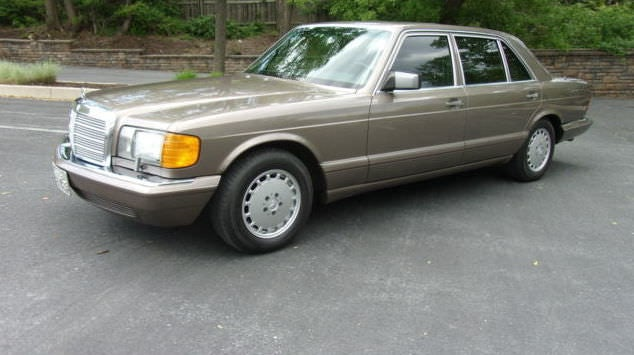 Junk 1987 Mercedes-Benz 420 in Orlando