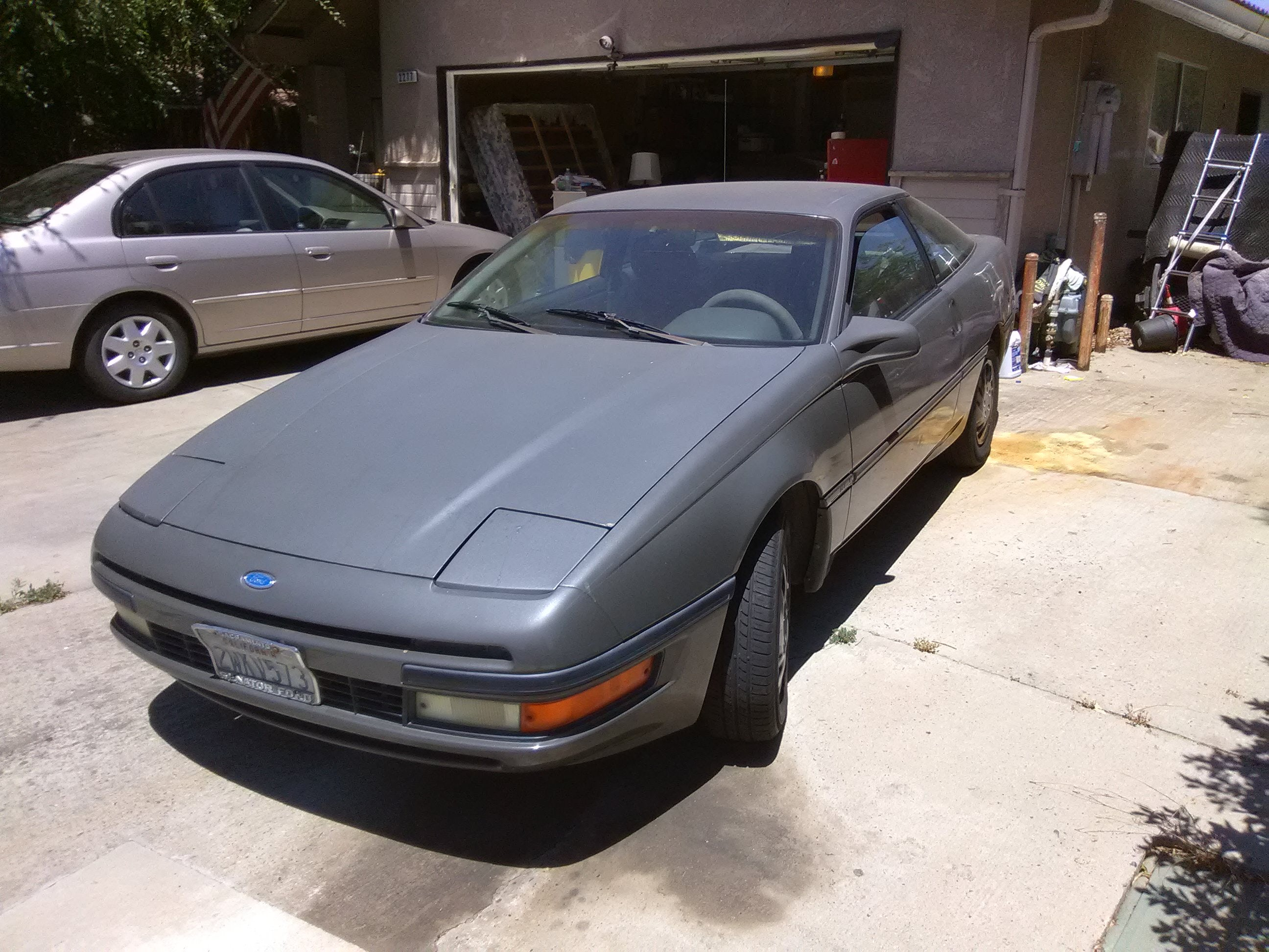 Junk 1991 Ford Probe in Clovis