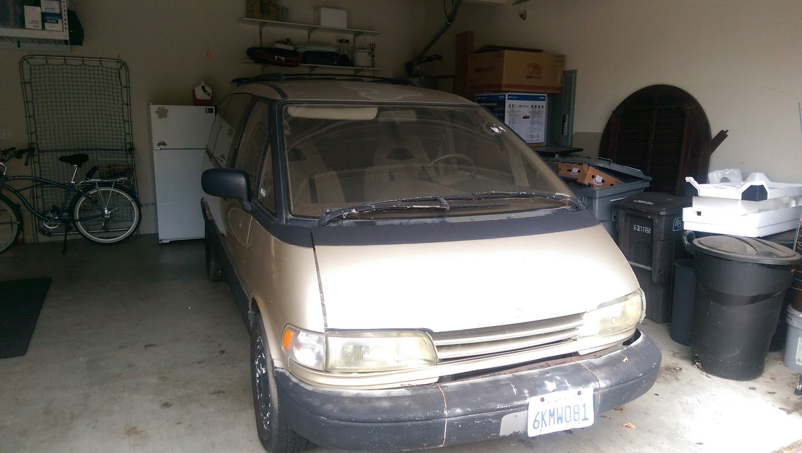 Junk 1992 Toyota Previa in Salinas