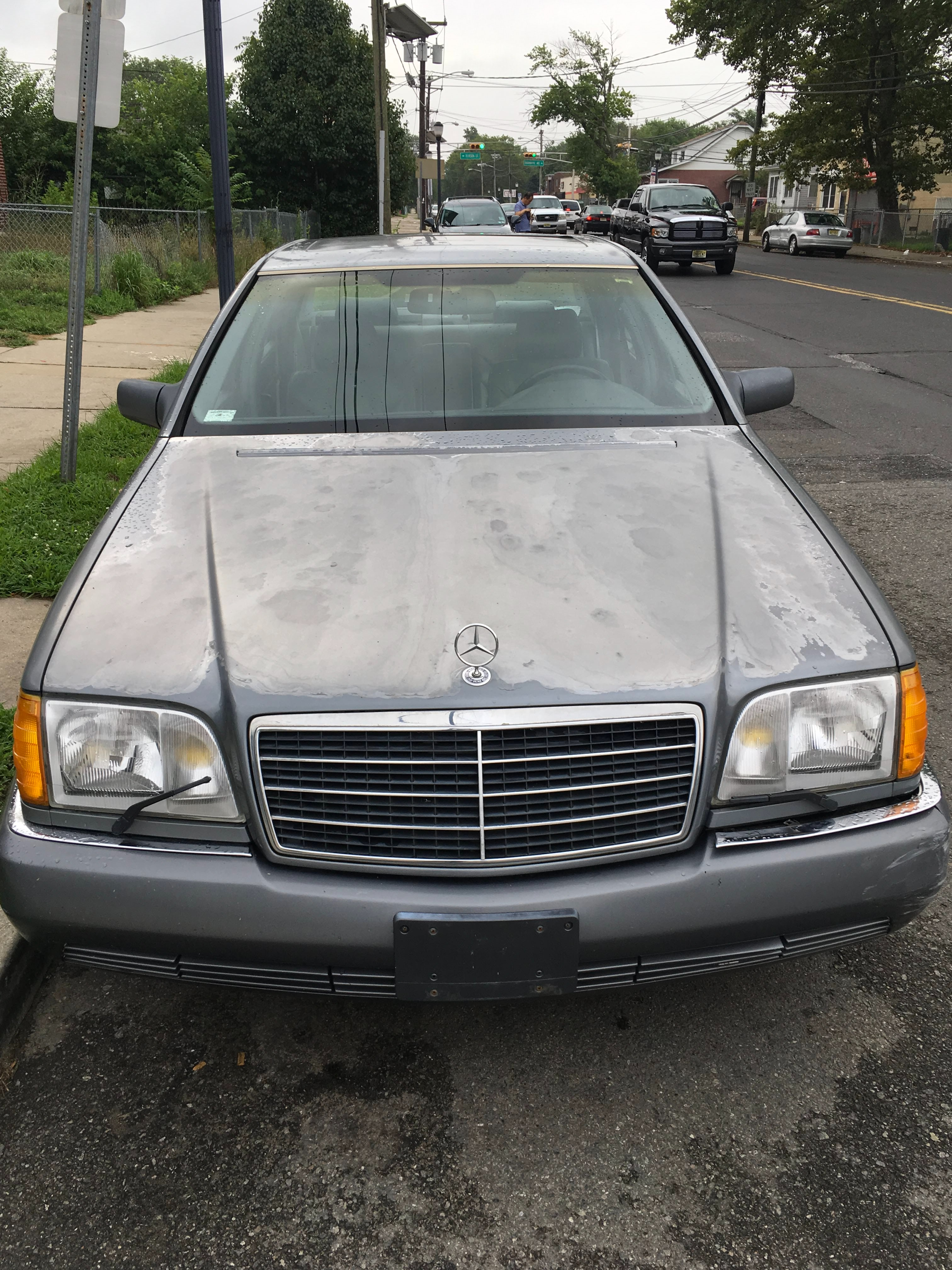 Junk 1993 Mercedes-Benz 500 in Camden