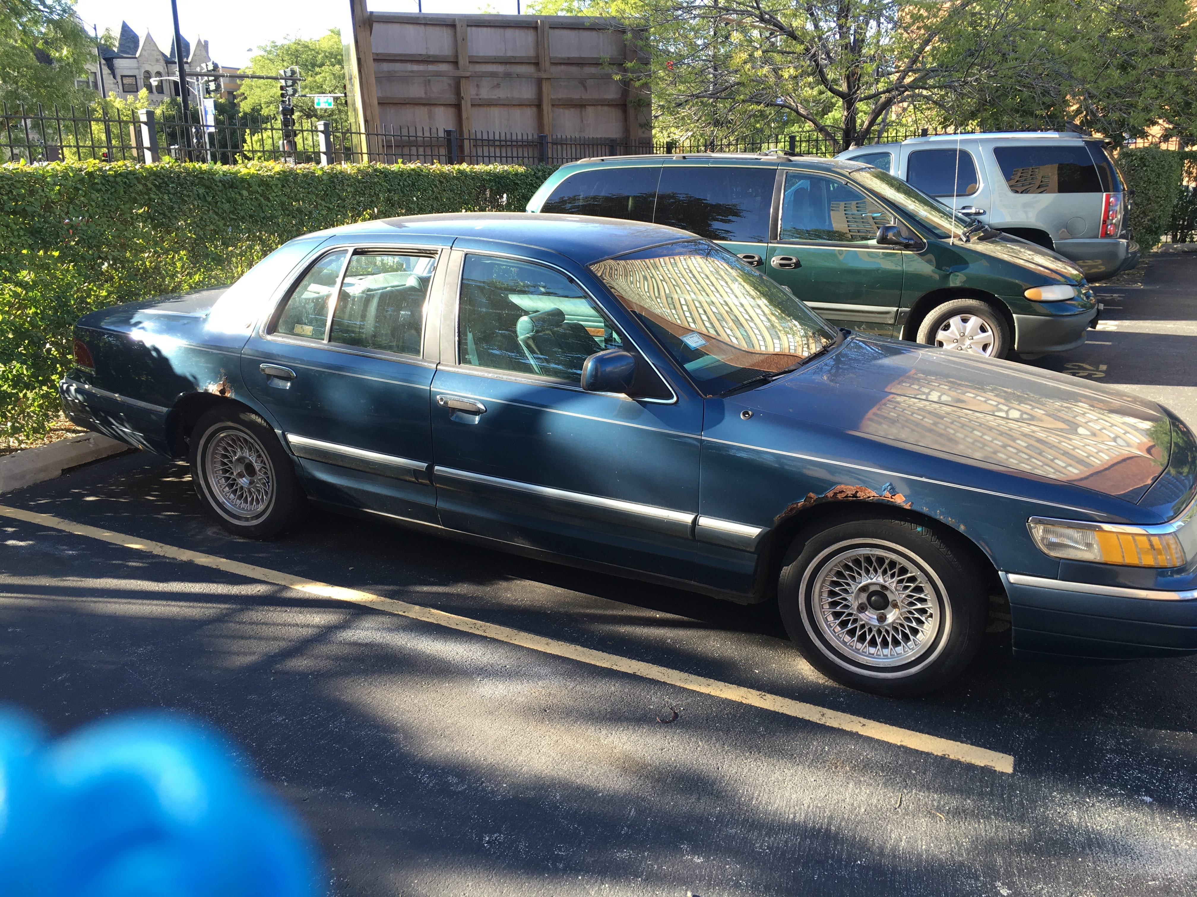 Junk 1993 Mercury Grand Marquis in Chicago
