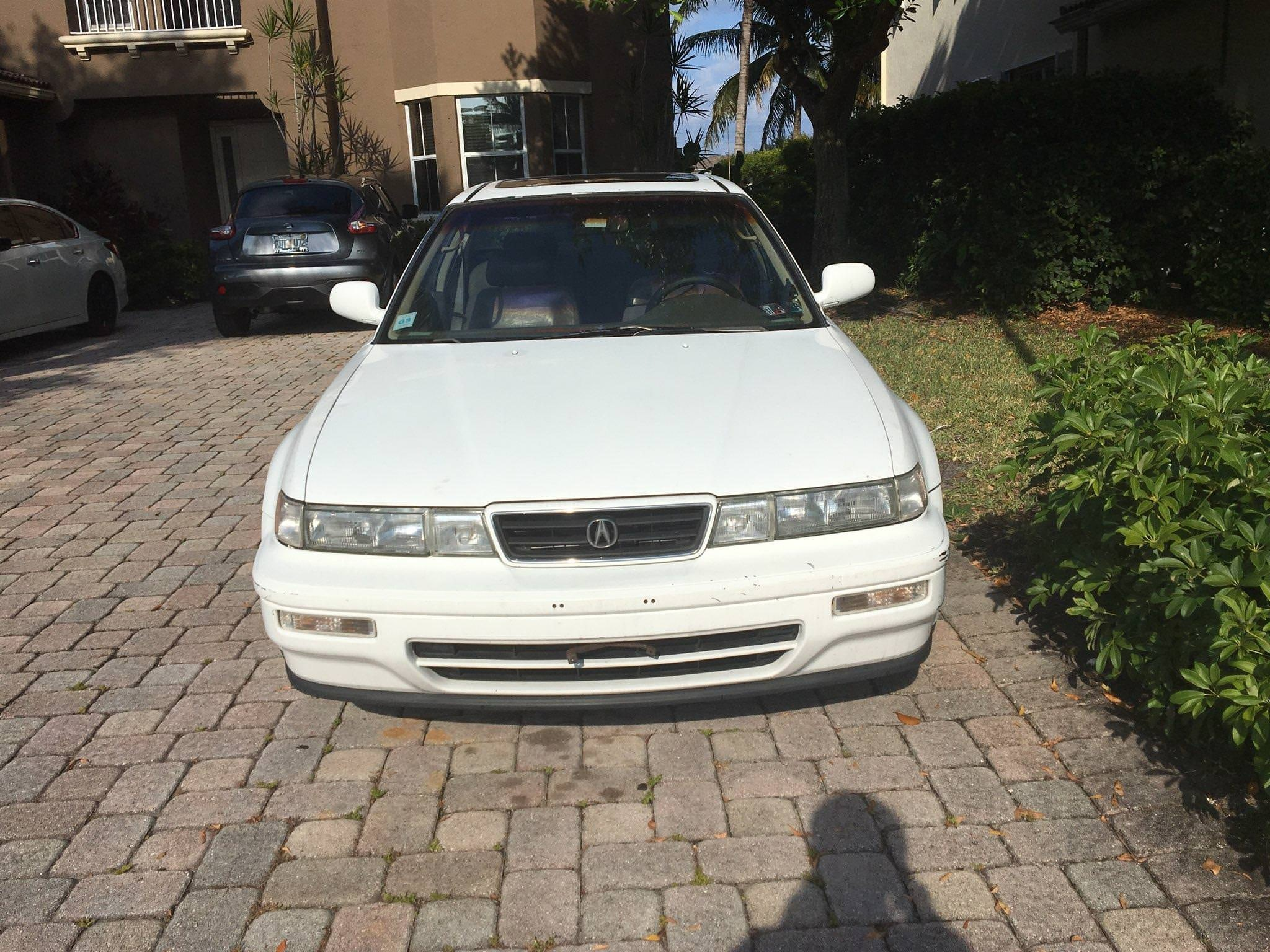 Junk 1994 Acura Vigor in Lake Worth