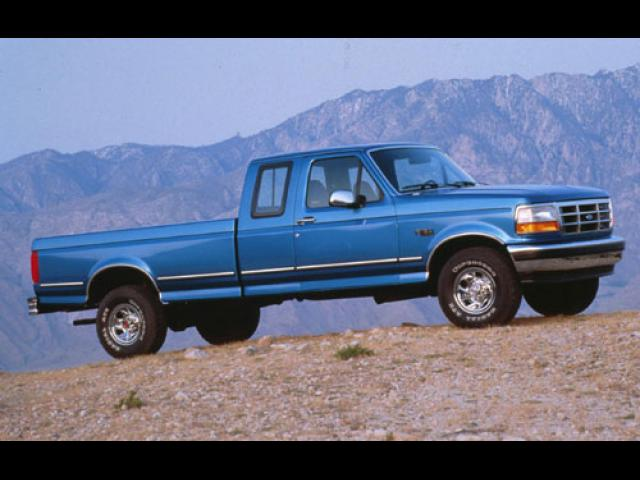 Junk 1994 Ford F150 in Whiteman Air Force Base