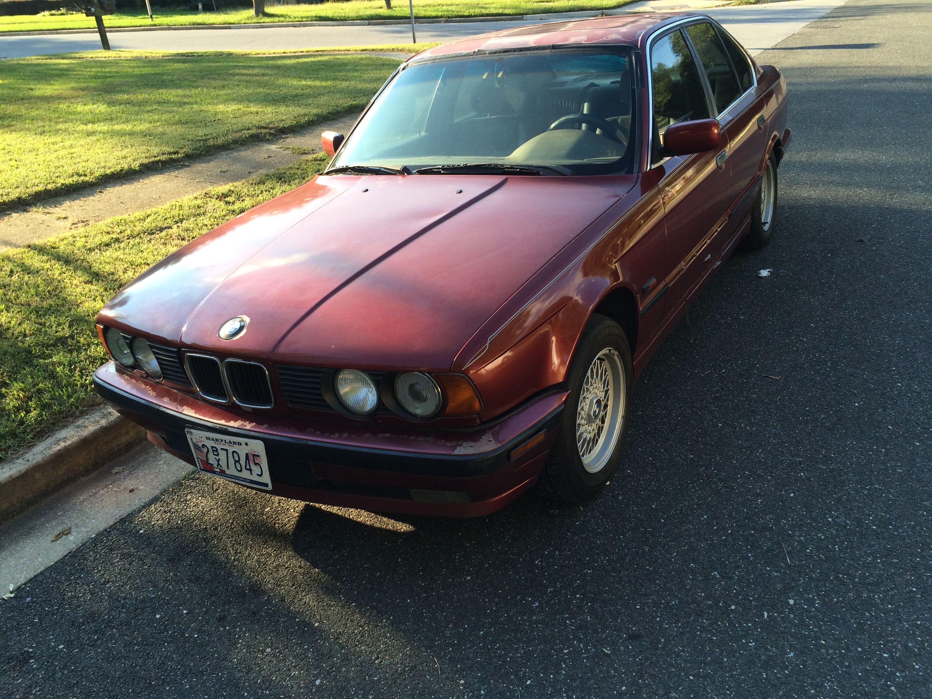 Junk 1995 BMW 525 in Temple Hills