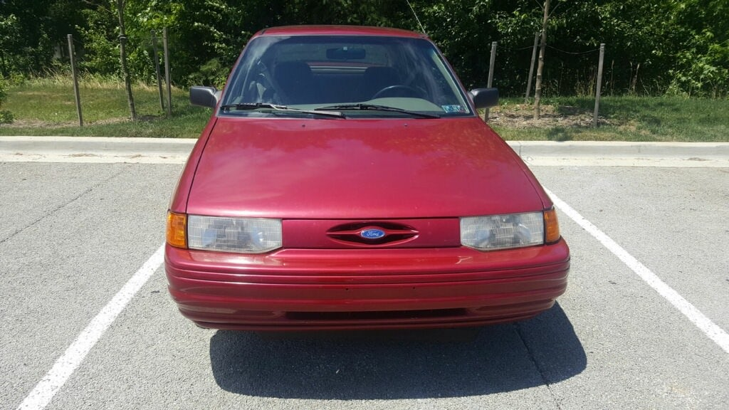 Junk 1995 Ford Escort in Brandywine