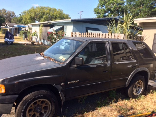 Junk 1995 Honda Passport in Clearwater