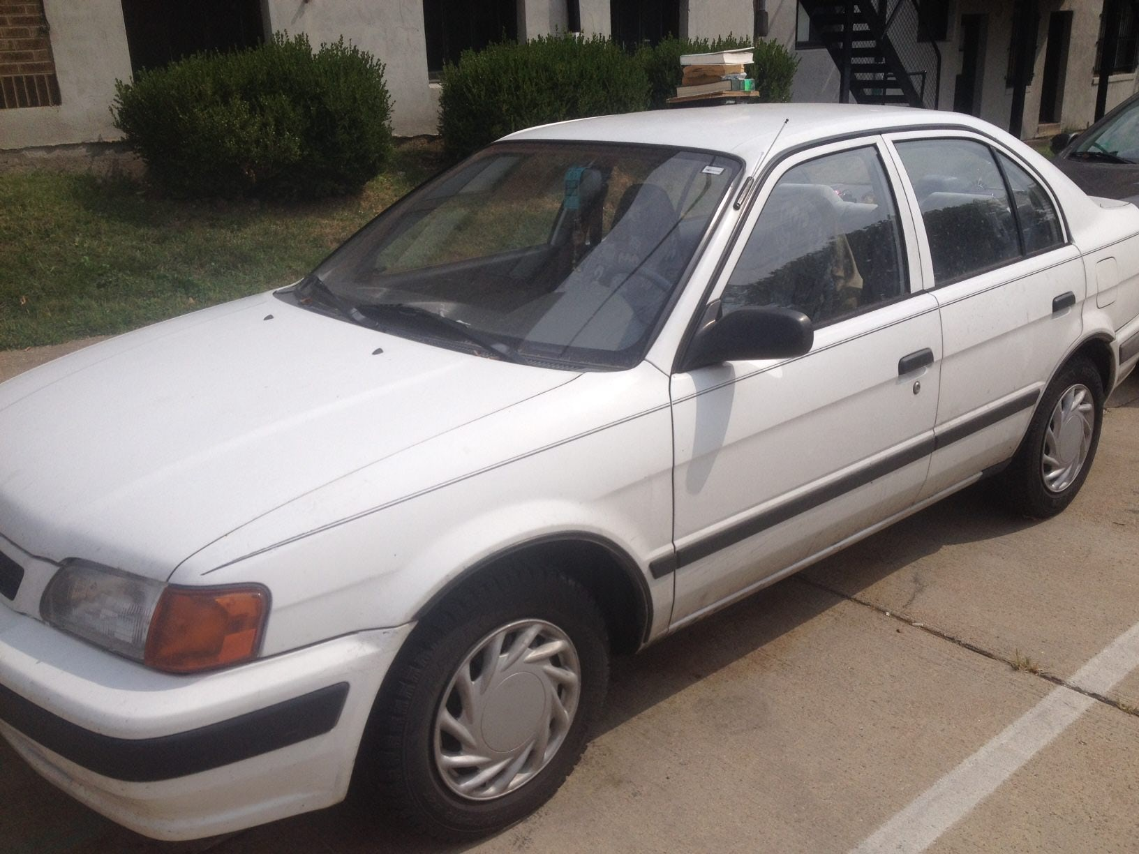 Junk 1995 Toyota Tercel in Saint Louis