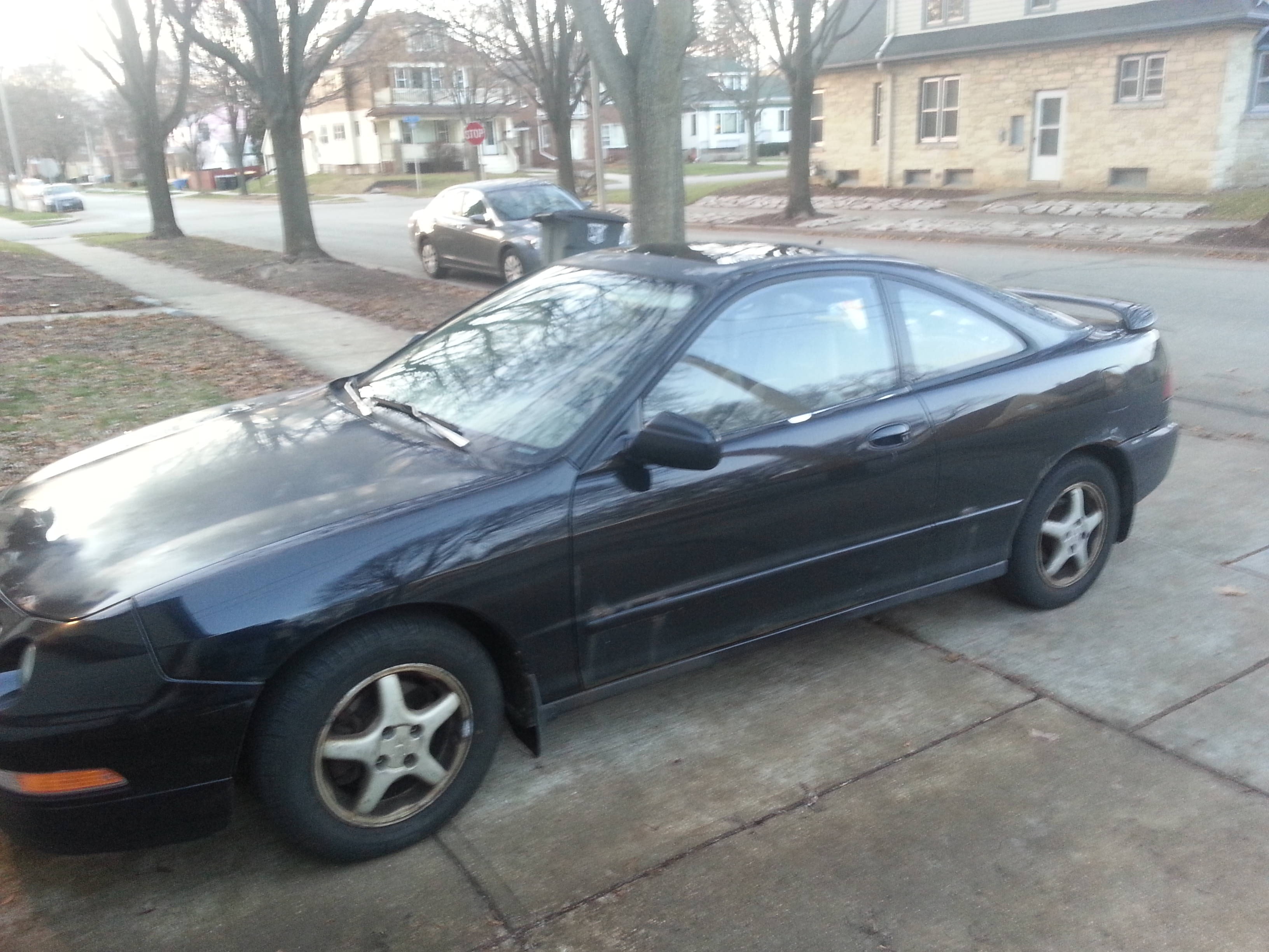 Junk 1996 Acura Integra in Milwaukee