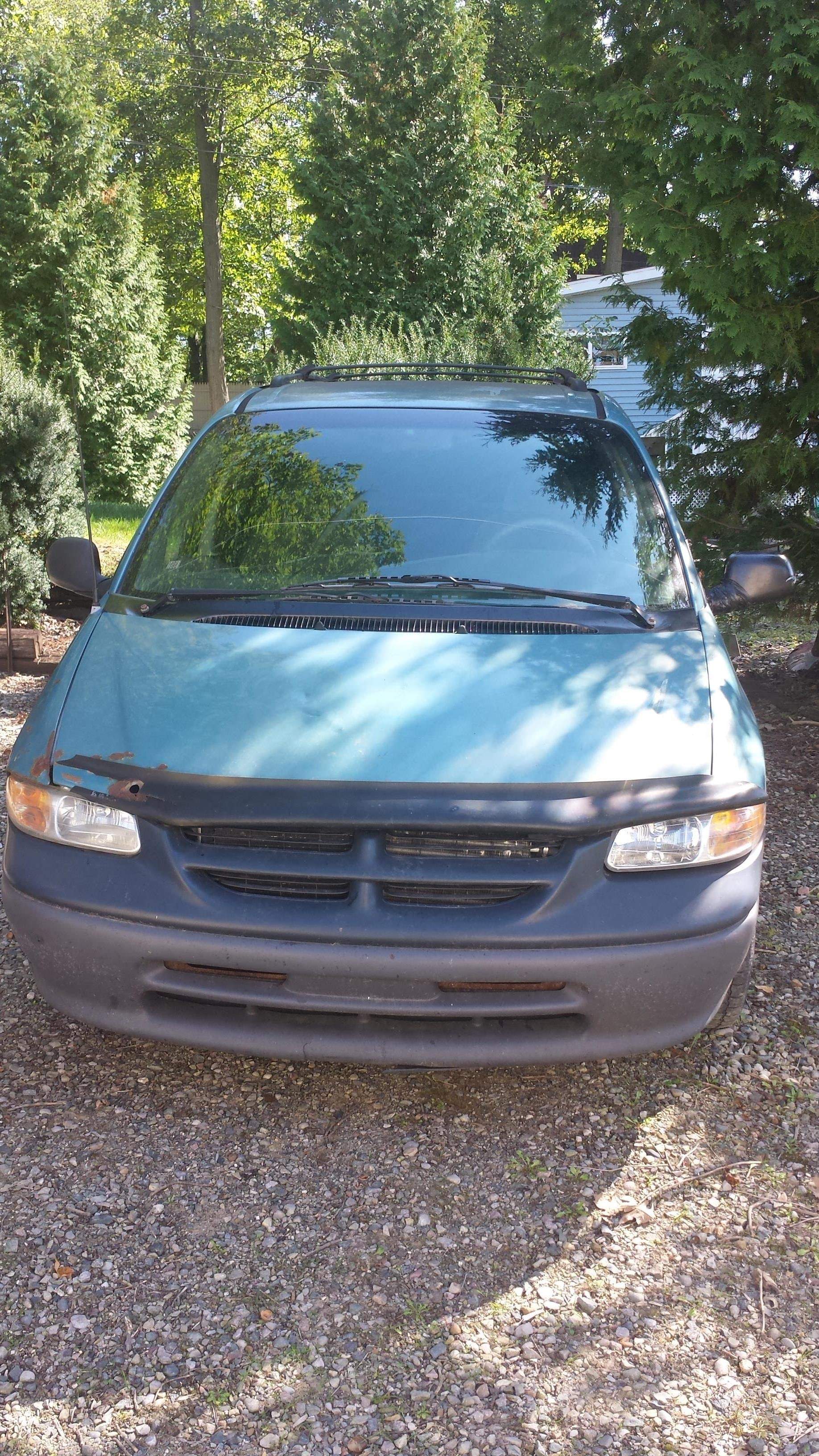 Junk 1996 Dodge Grand Caravan in Slidell