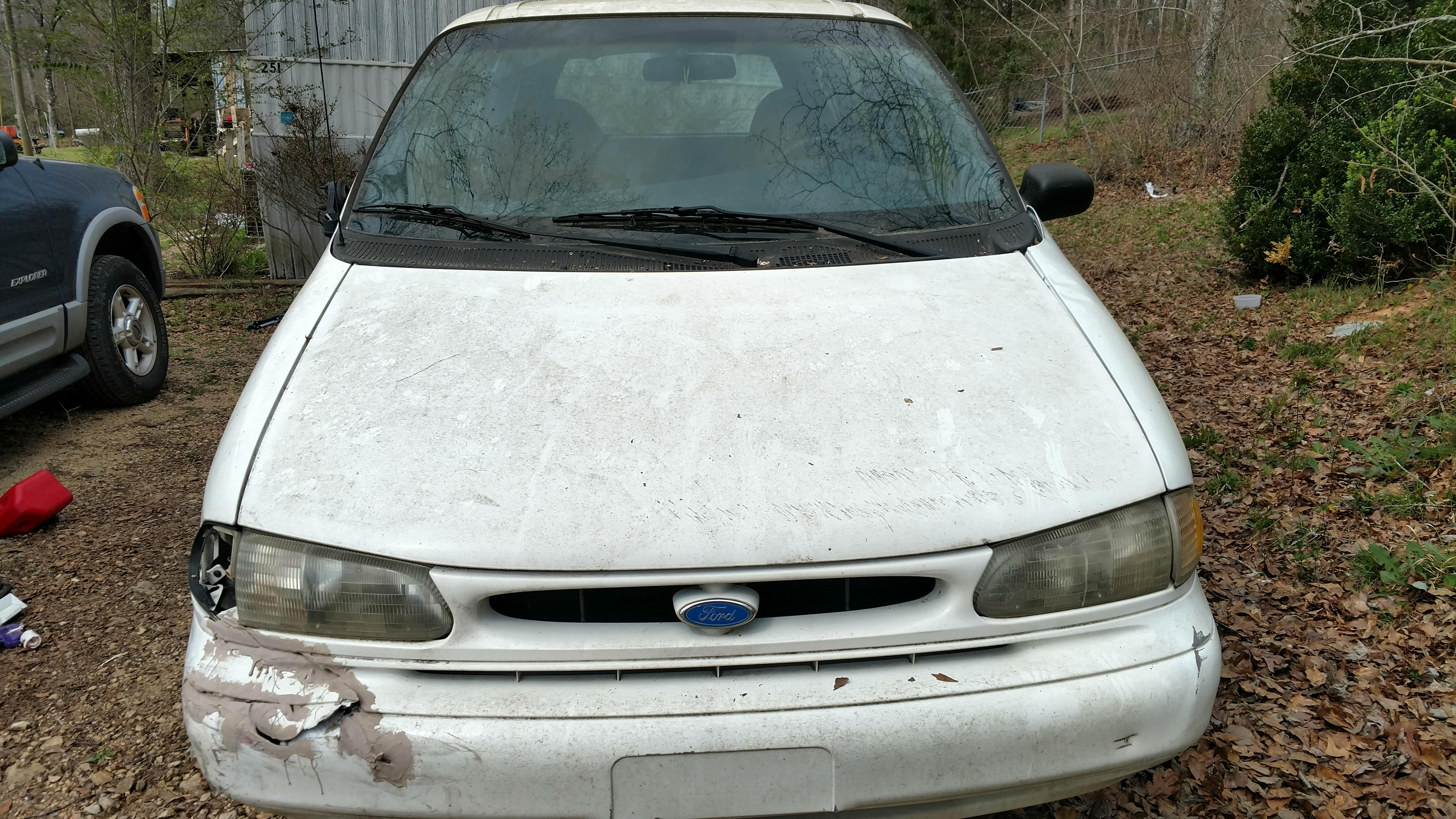 Junk 1996 Ford Windstar in Chelsea