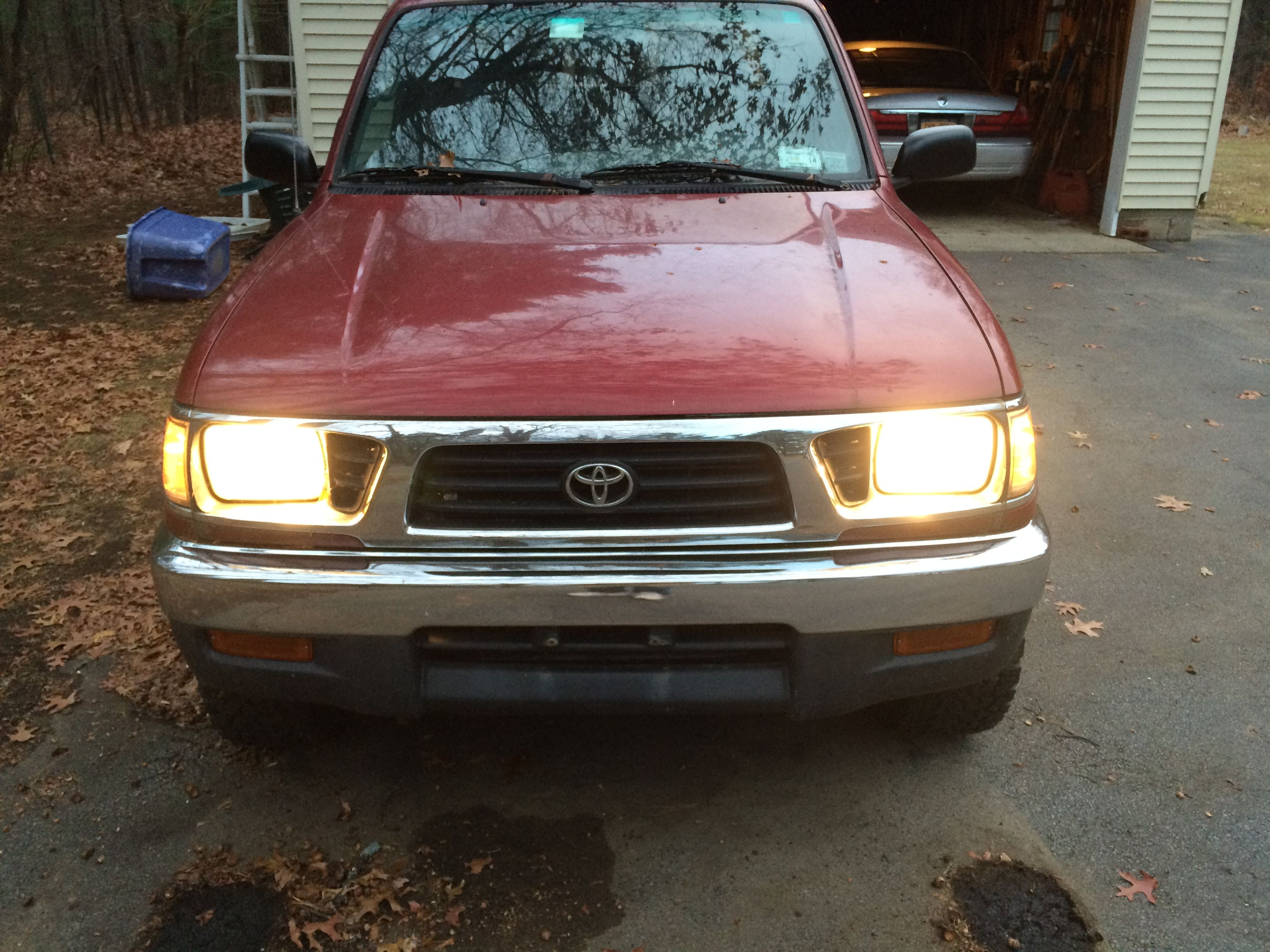 Junk 1996 Toyota Tacoma in Schenectady