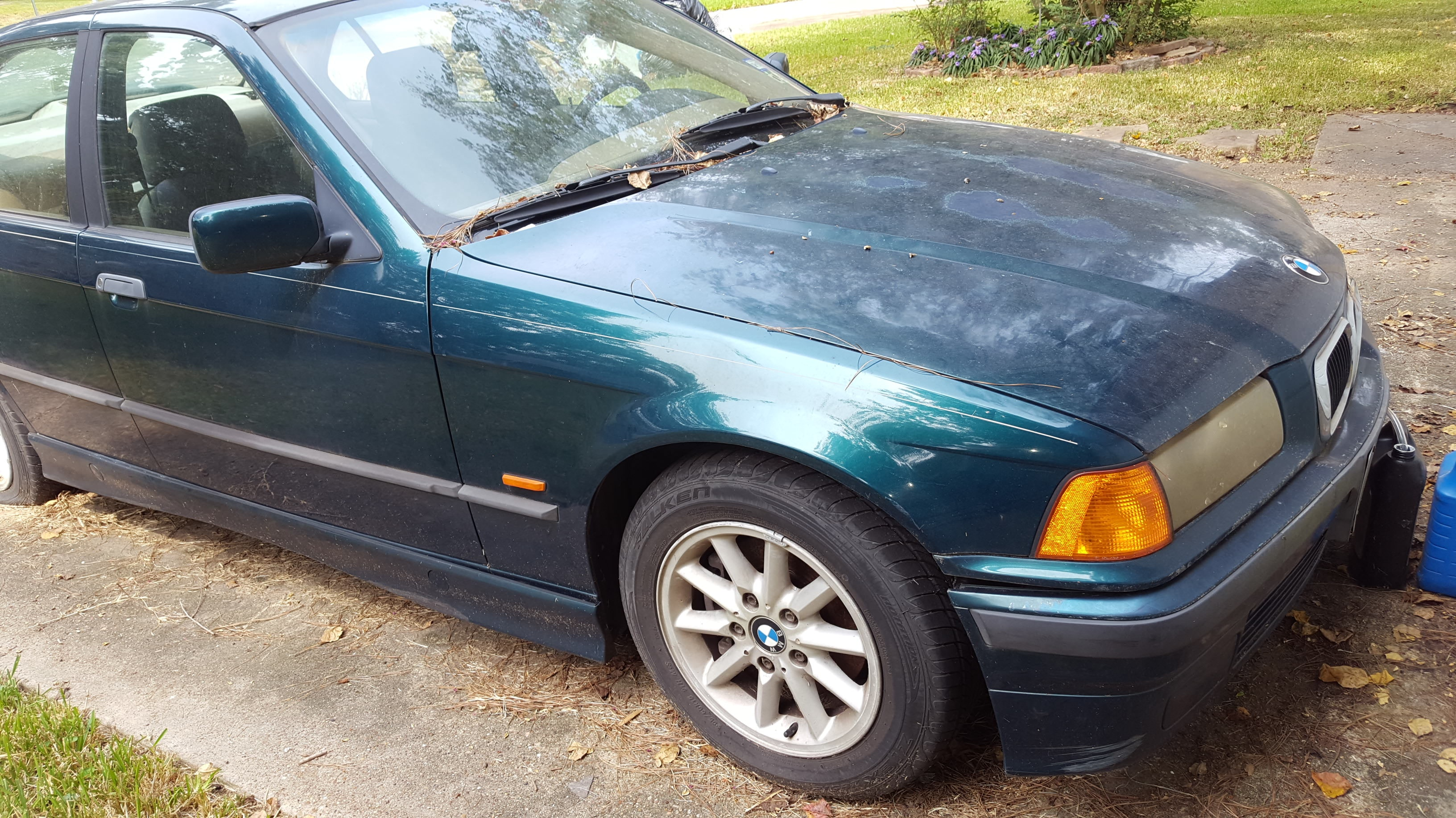 Junk 1997 BMW 328 in Kingwood