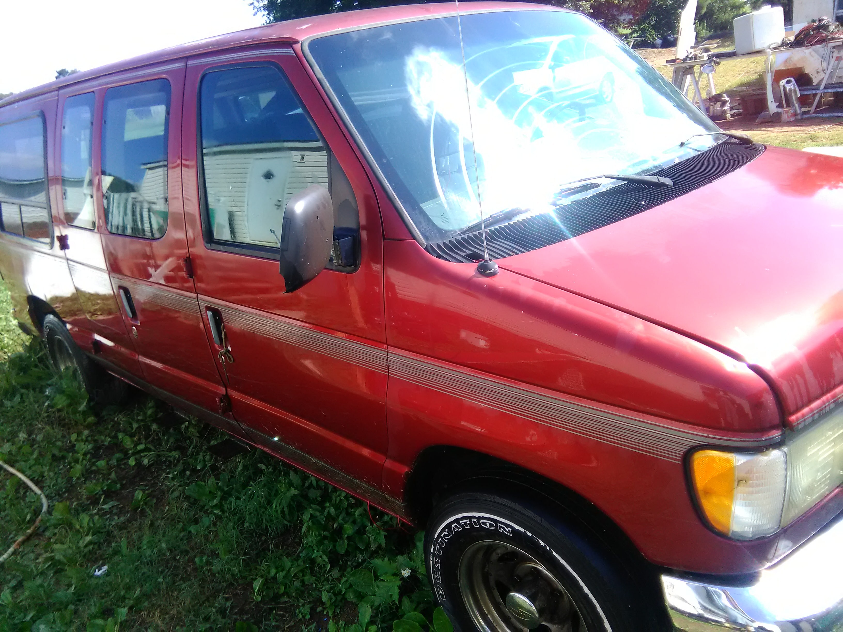 Junk 1997 Ford Econoline in Simpsonville