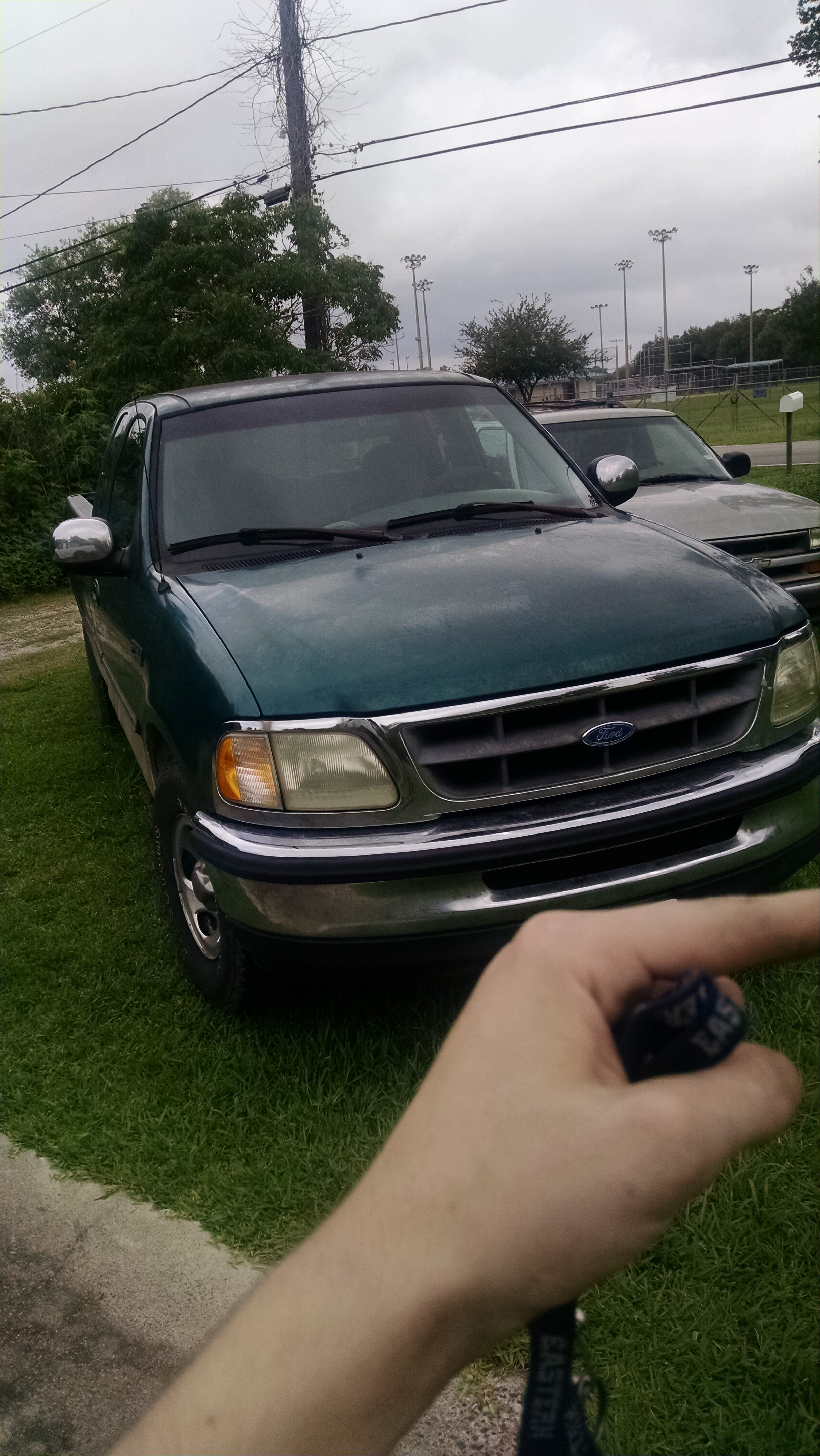 Junk 1997 Ford F150 in Channelview