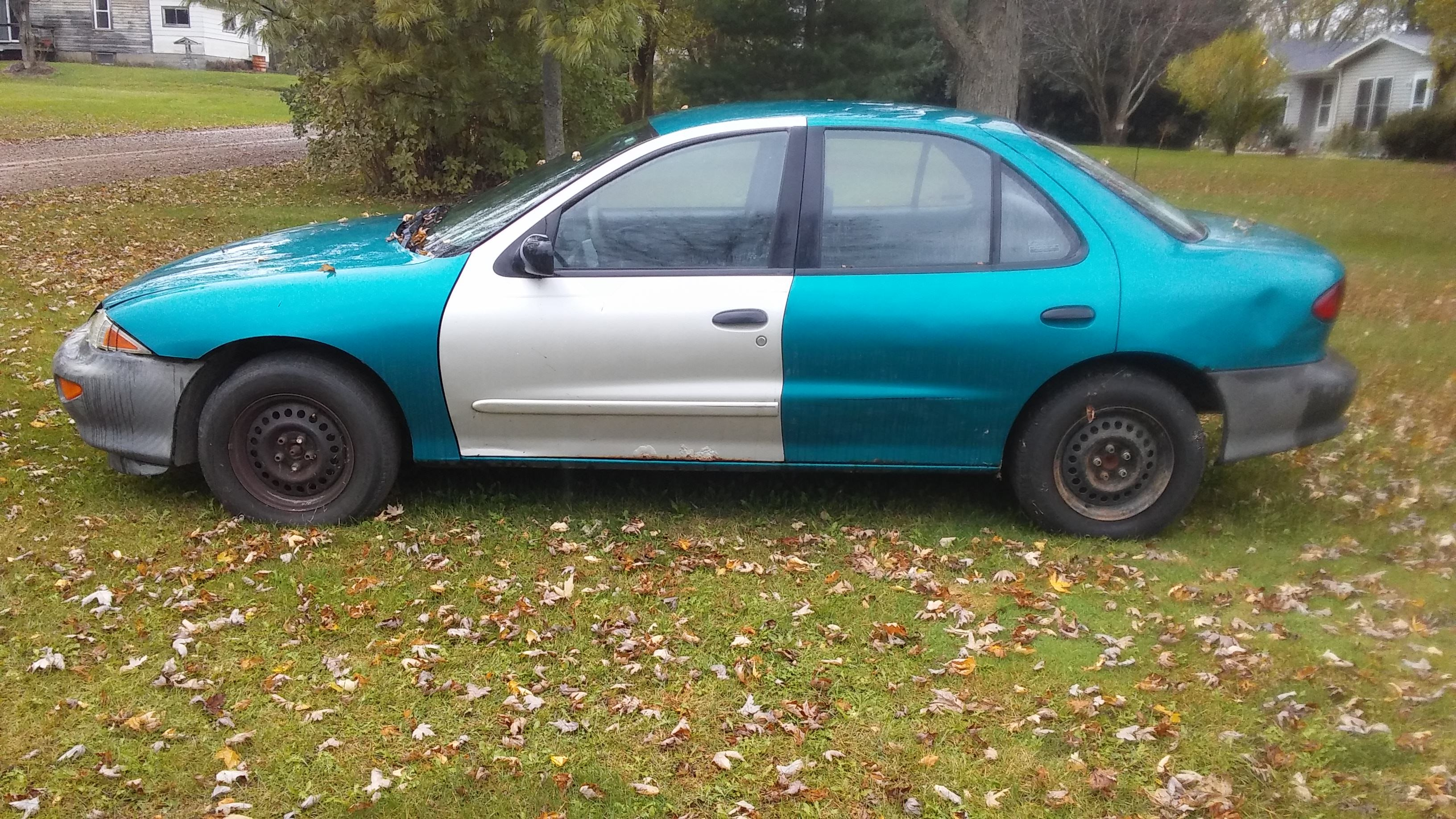 Junk 1998 Chevrolet Cavalier in Perry