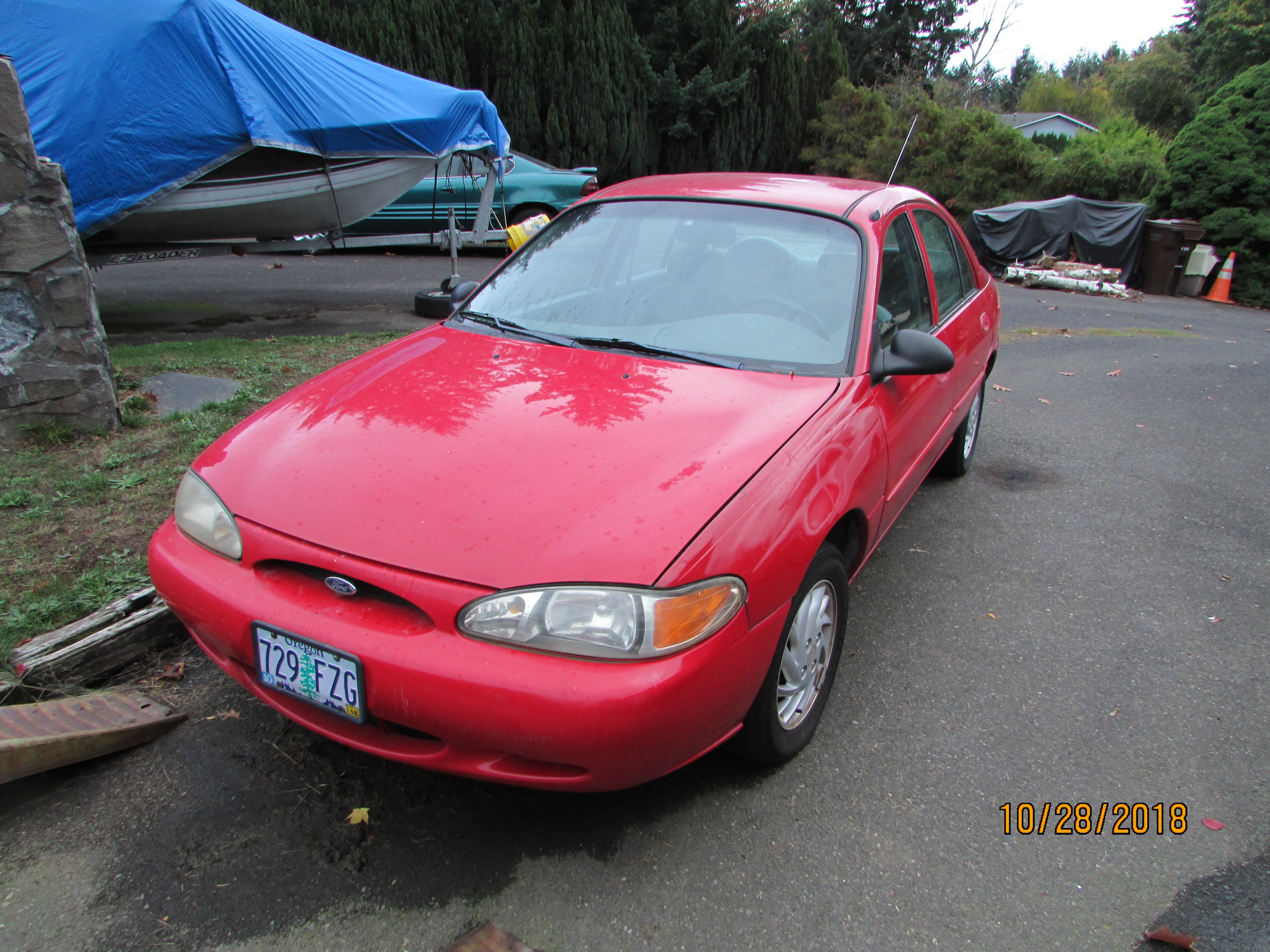 Junk 1998 Ford Escort in Oregon City