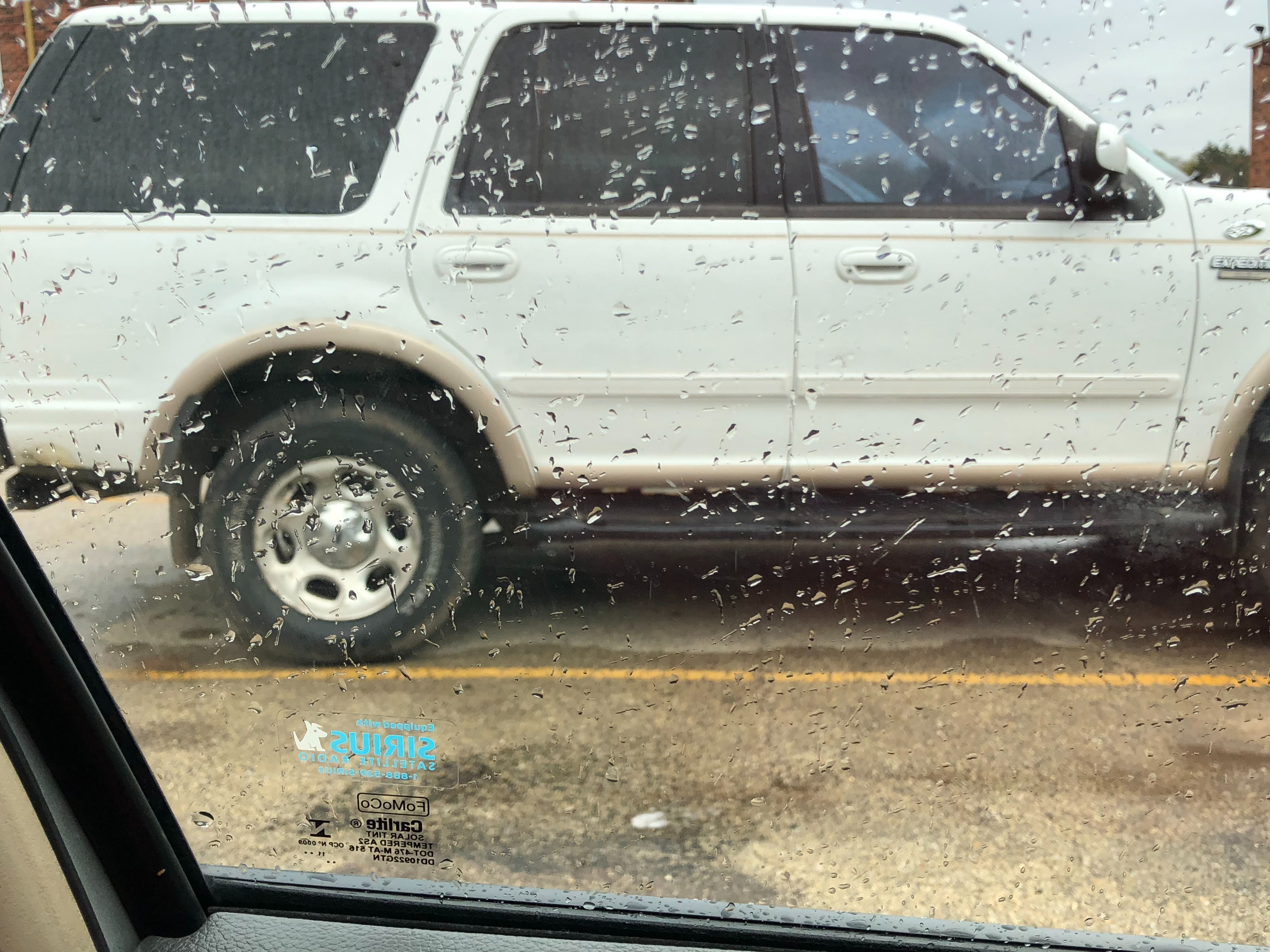 Junk 1998 Ford Expedition in Rockford