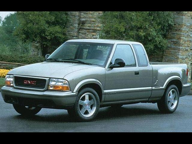 Junk 1998 GMC Sonoma in Red Wing