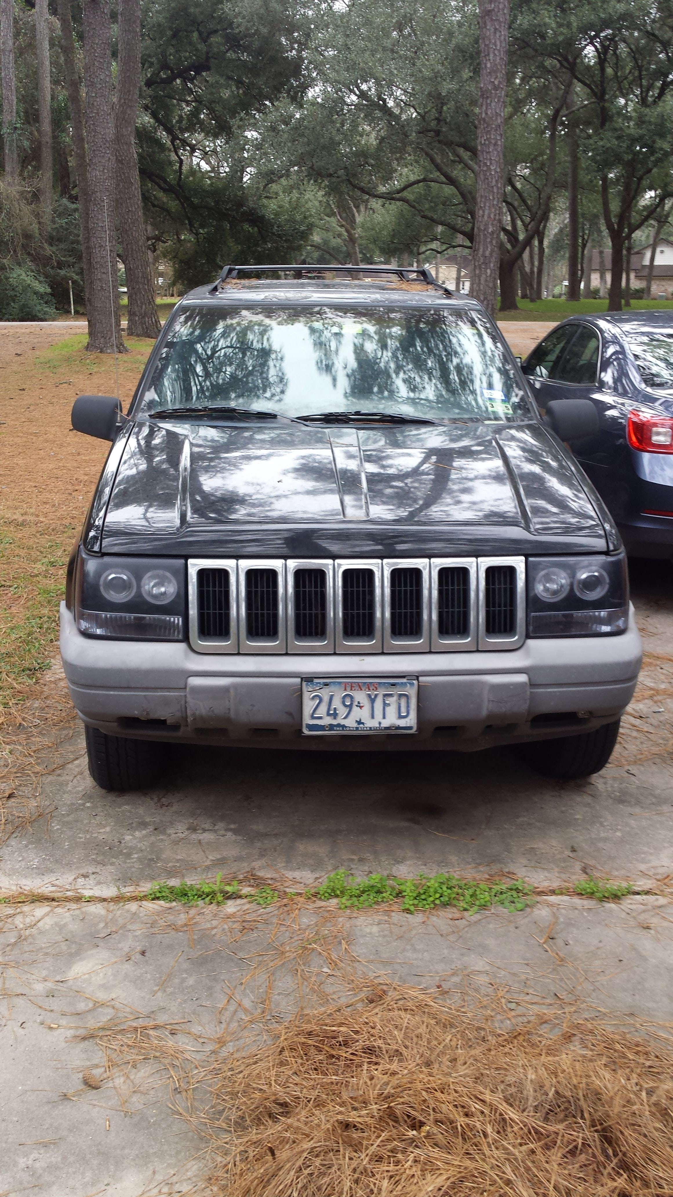 Junk 1998 Jeep Grand Cherokee in Tomball