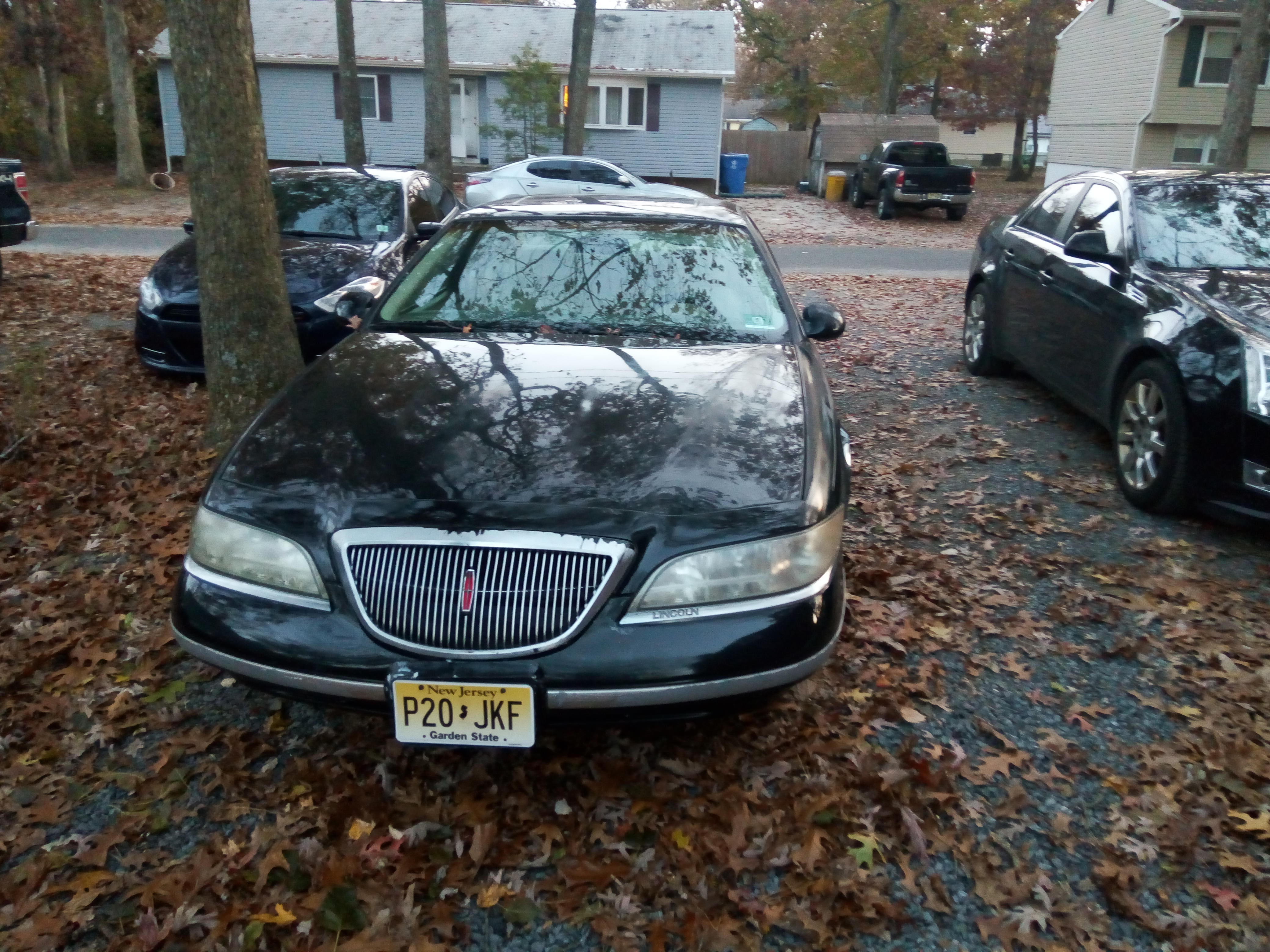 Junk 1998 Lincoln Mark VIII in Browns Mills