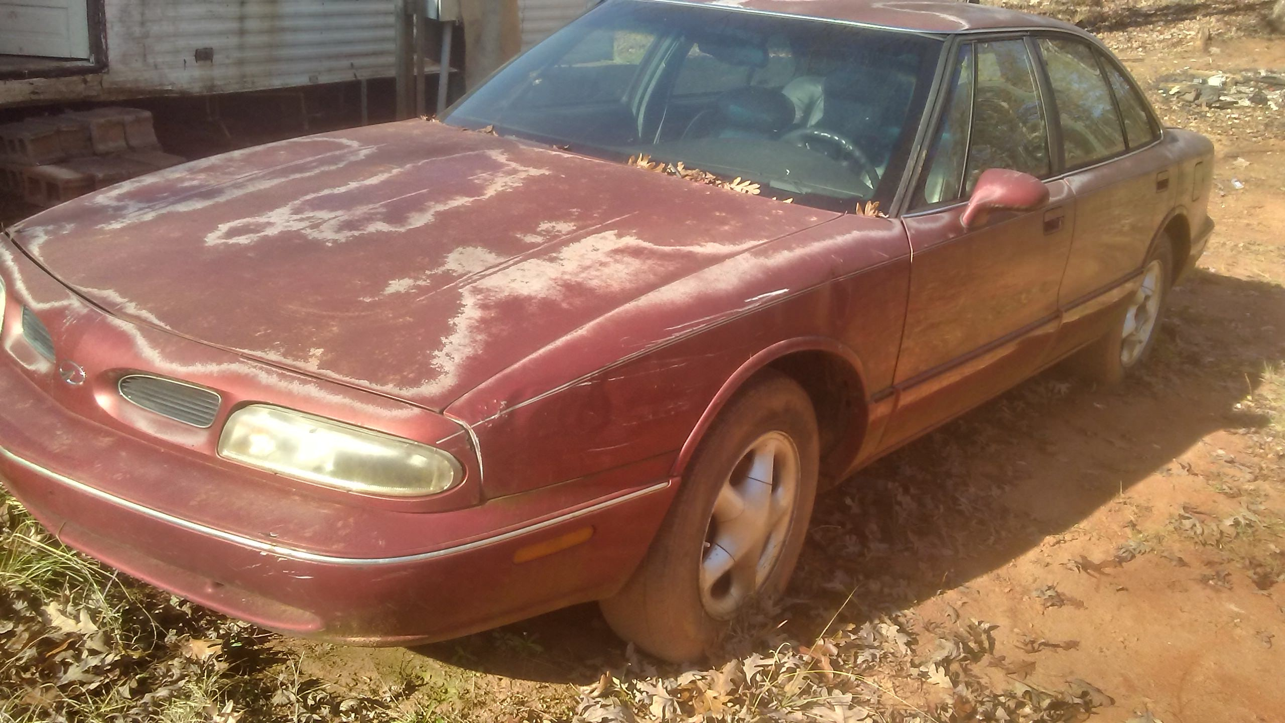 Junk 1998 Oldsmobile LSS in Pickens