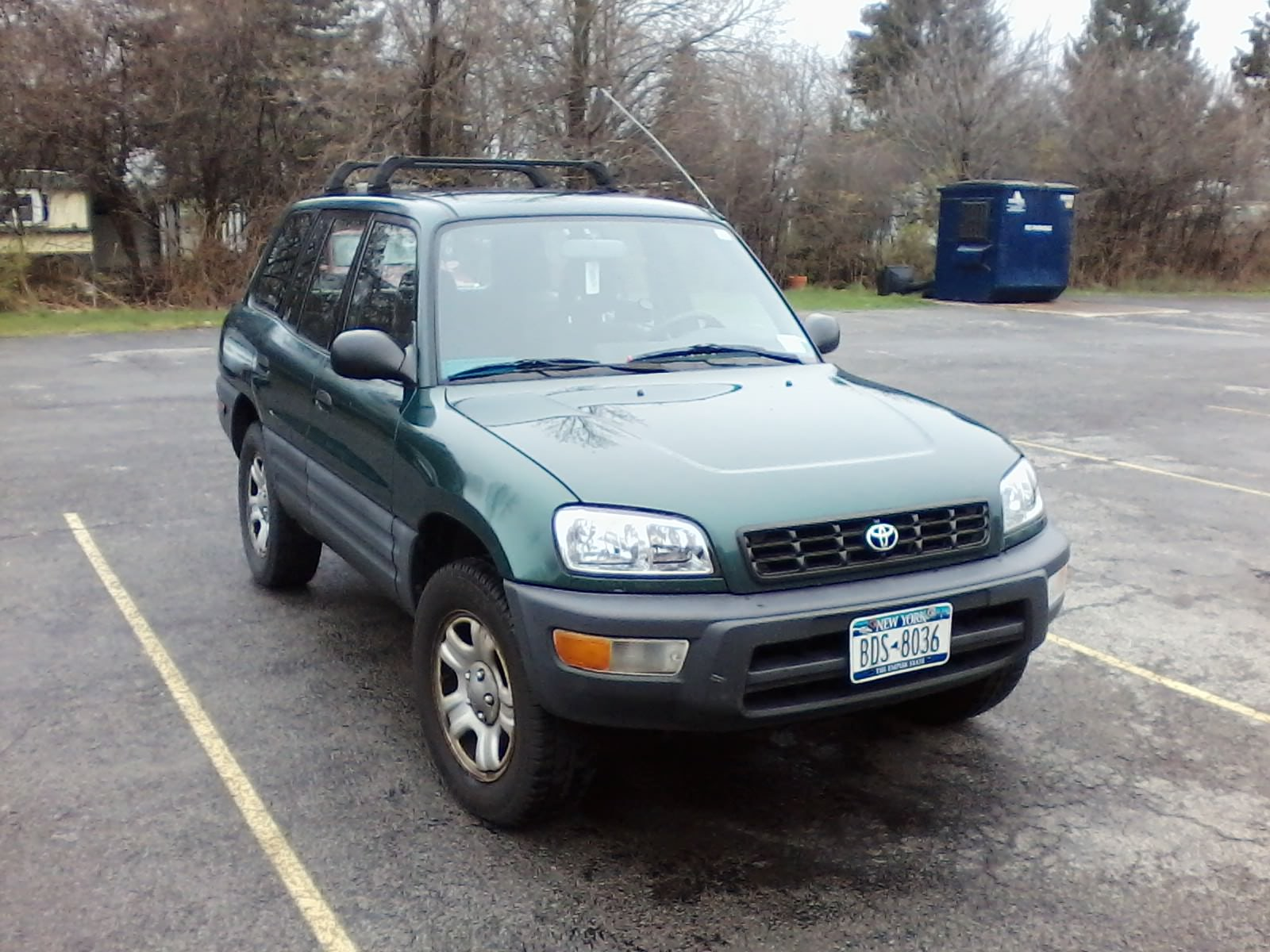 Junk 1998 Toyota Rav4 in Lockport
