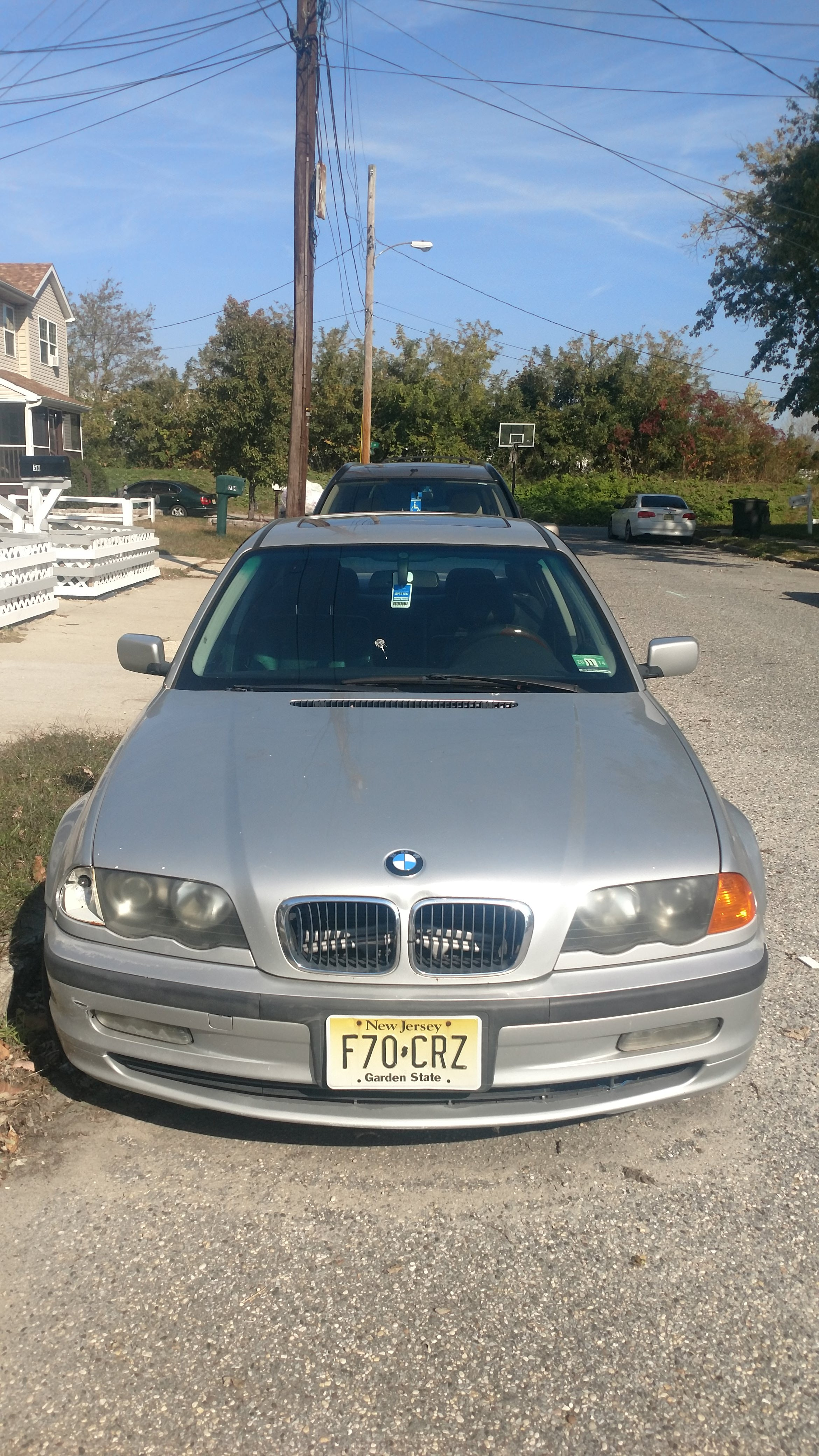 Junk 1999 BMW 323 in Pleasantville