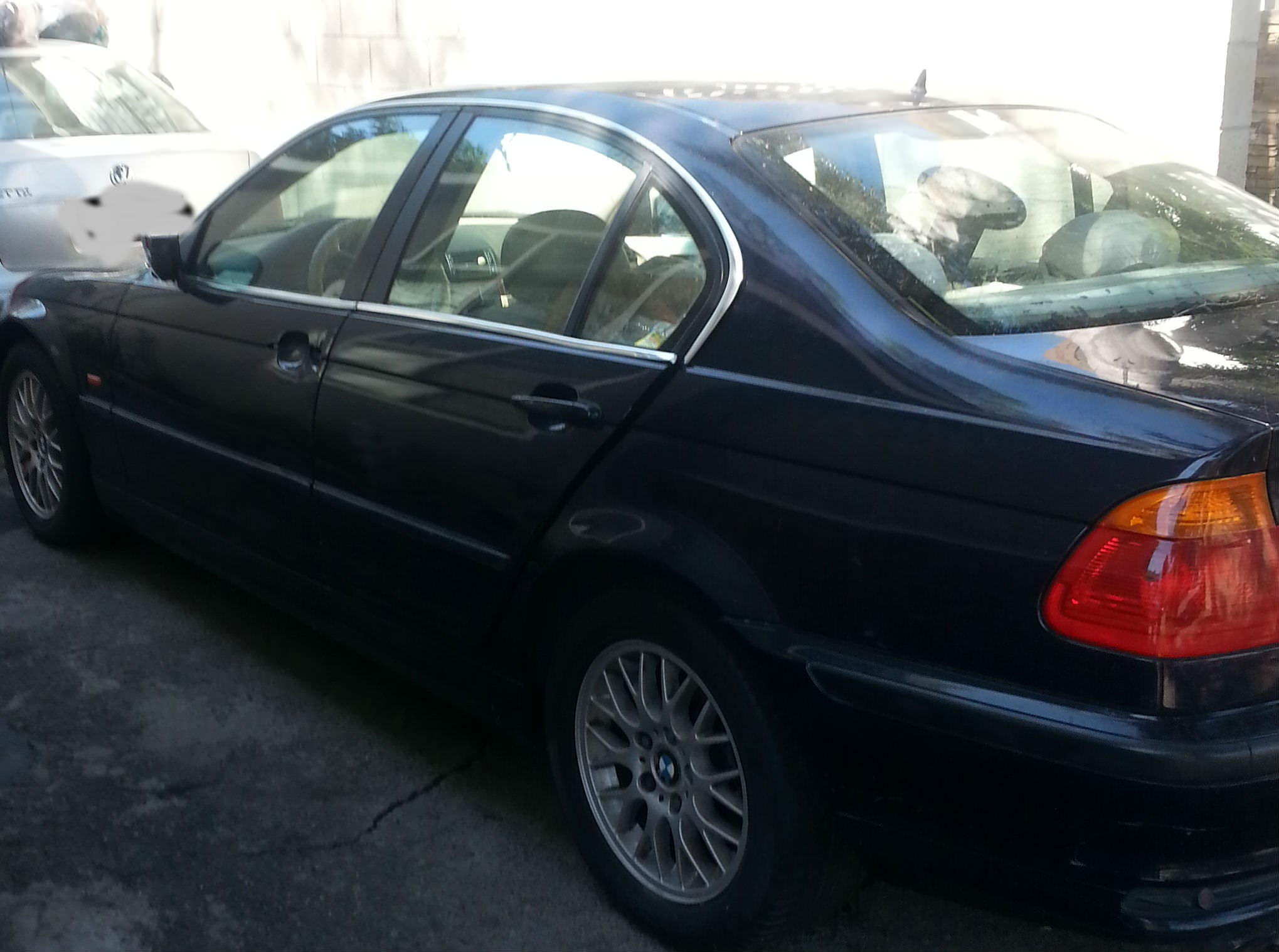 Junk 1999 BMW 328 in Downey