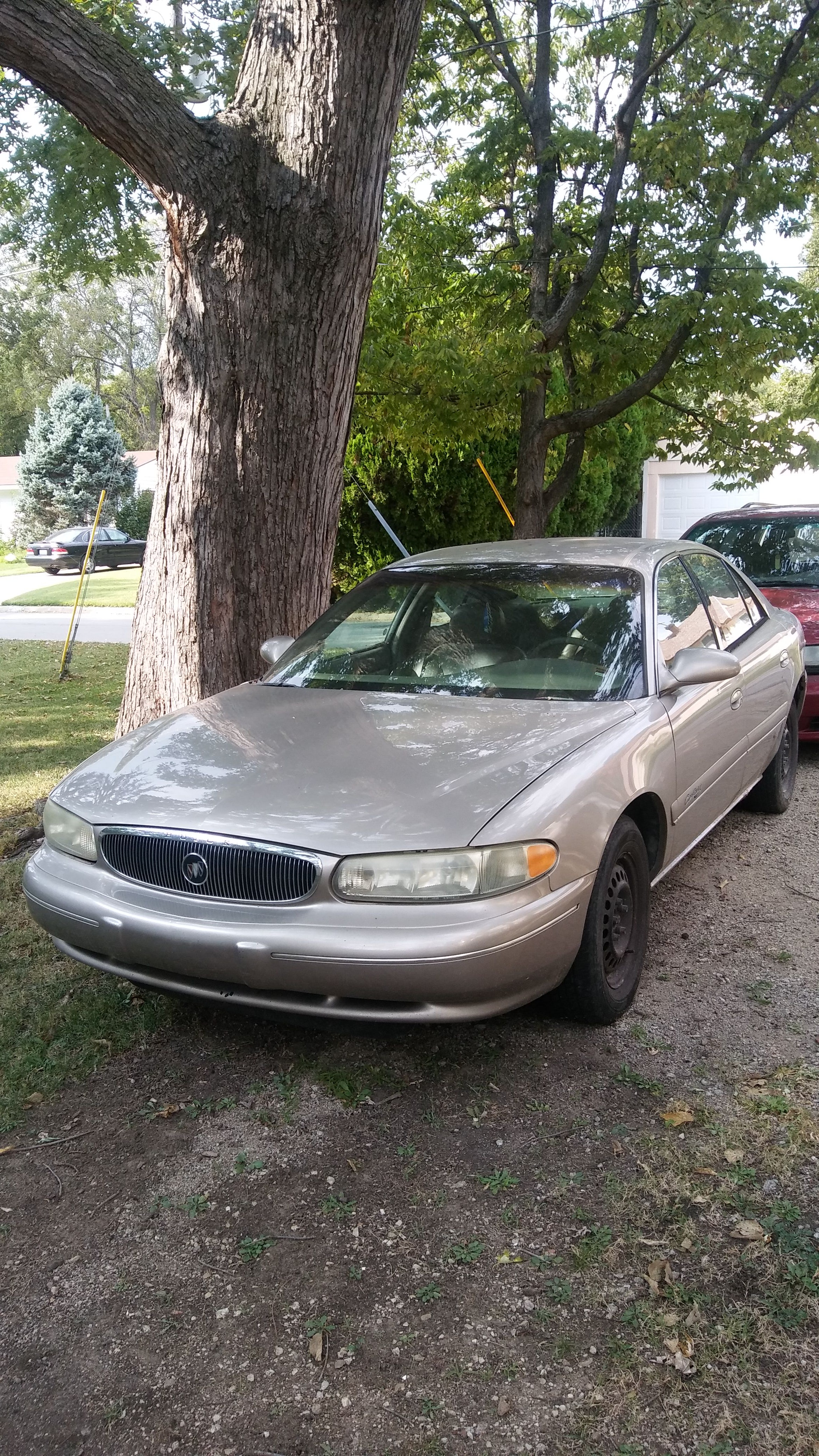 Junk 1999 Buick Century in Topeka