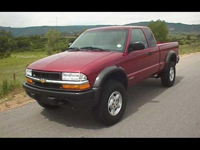 Junk 1999 Chevrolet S Truck in Freehold