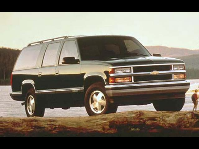 Junk 1999 Chevrolet Suburban in Foresthill