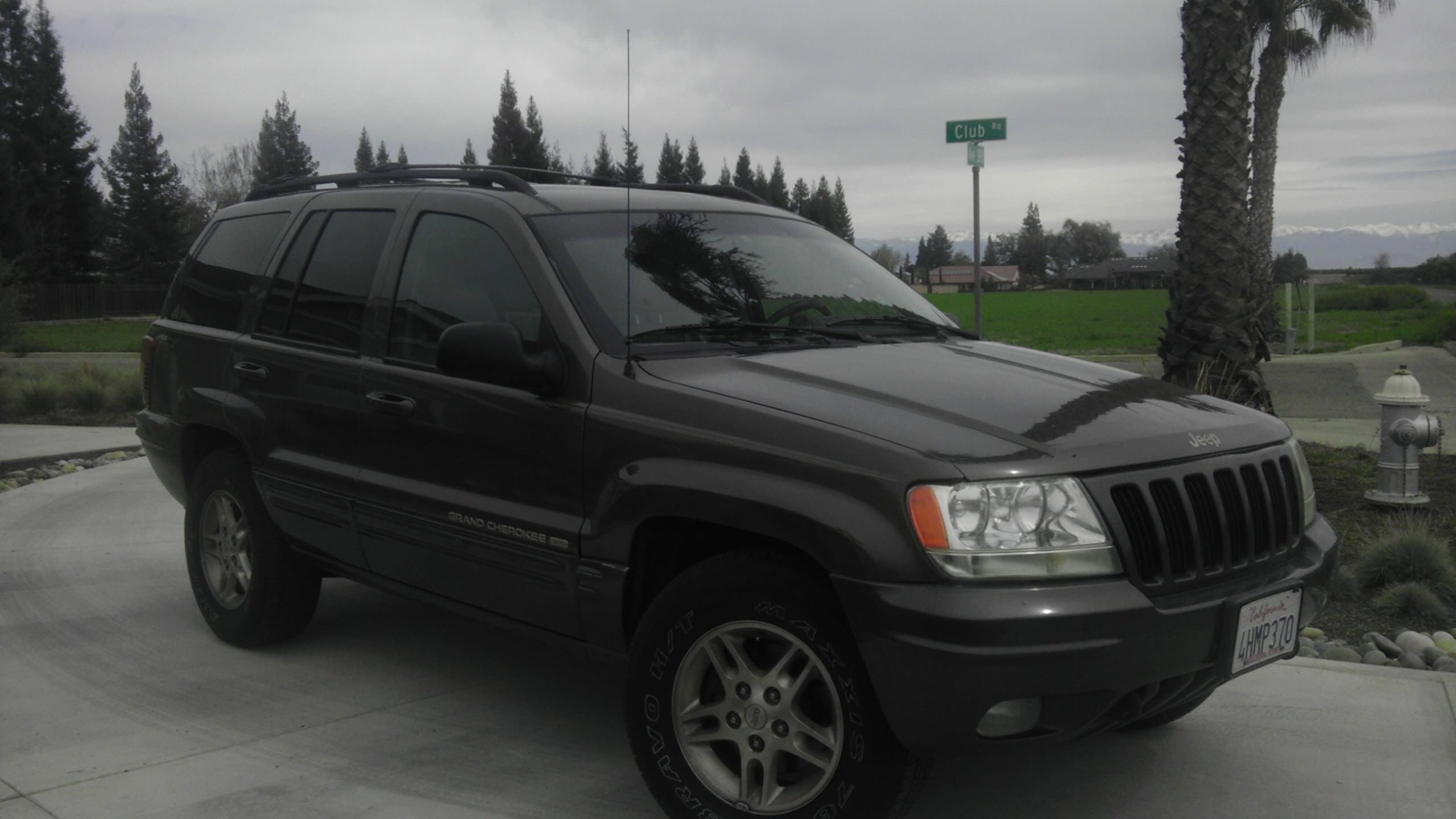 Junk 1999 Jeep Grand Cherokee in Fresno