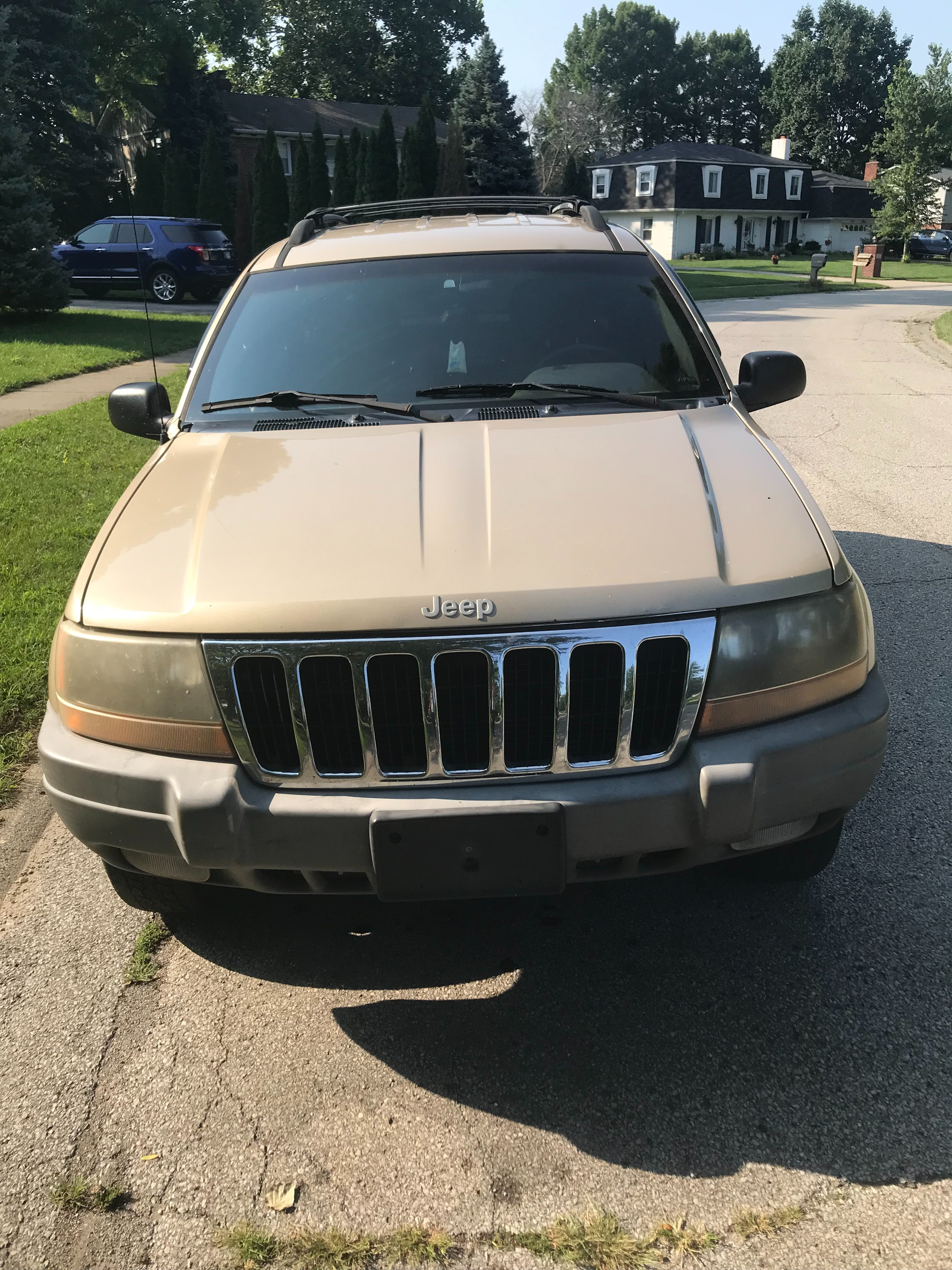 Junk 1999 Jeep Grand Cherokee in Indianapolis