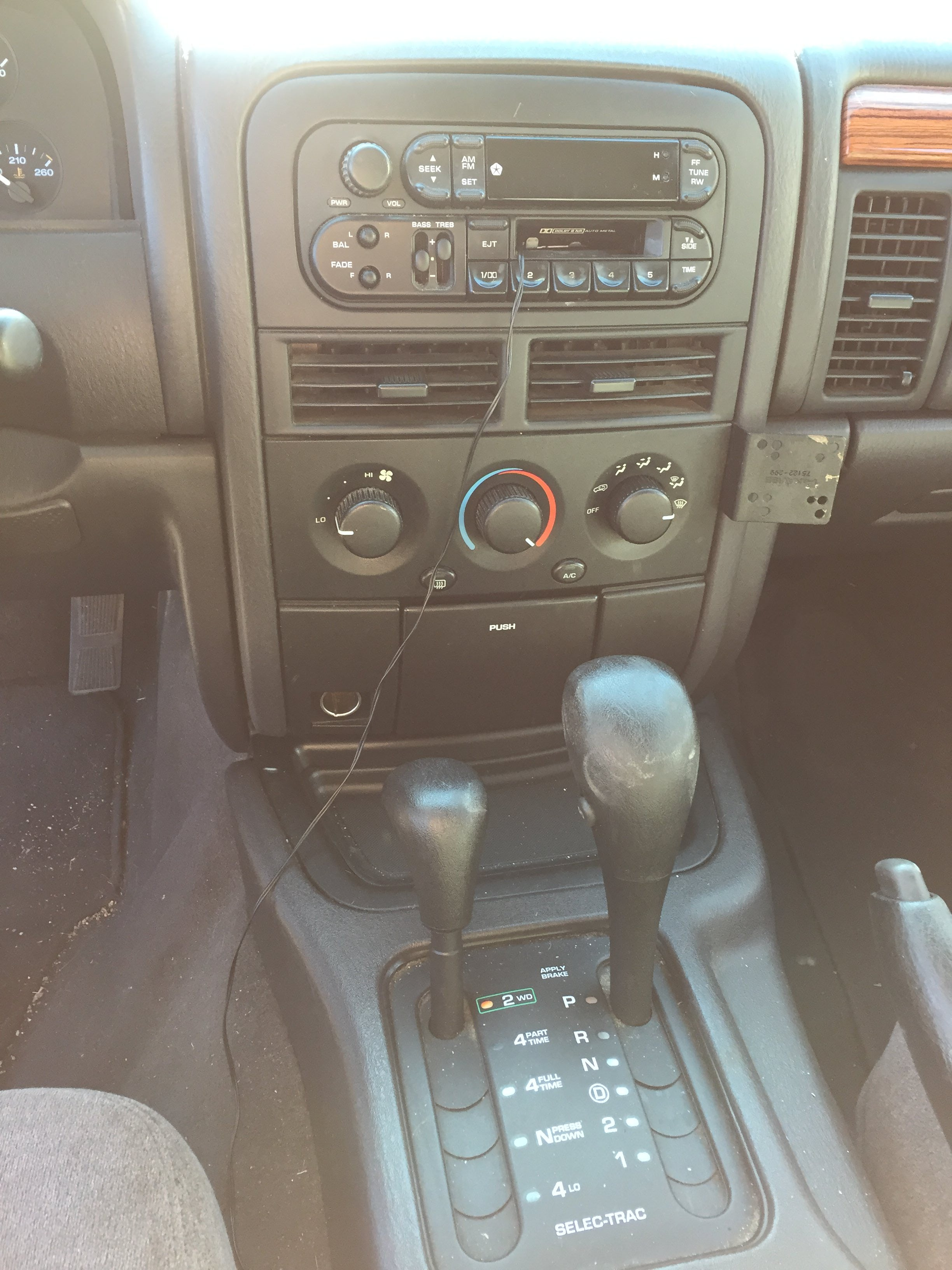 Junk 1999 Jeep Grand Cherokee in Parker