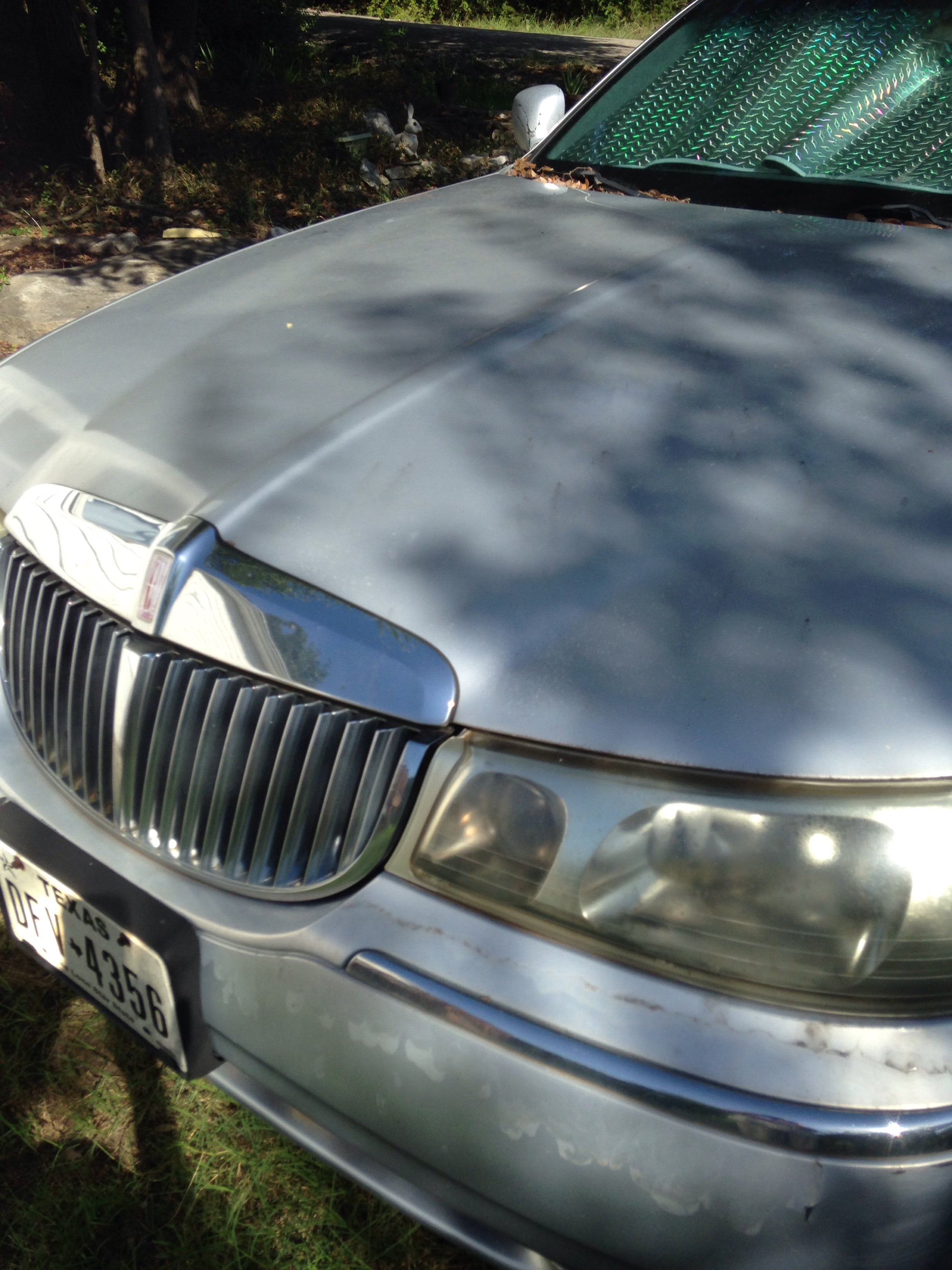 Junk 1999 Lincoln Town Car in Granbury