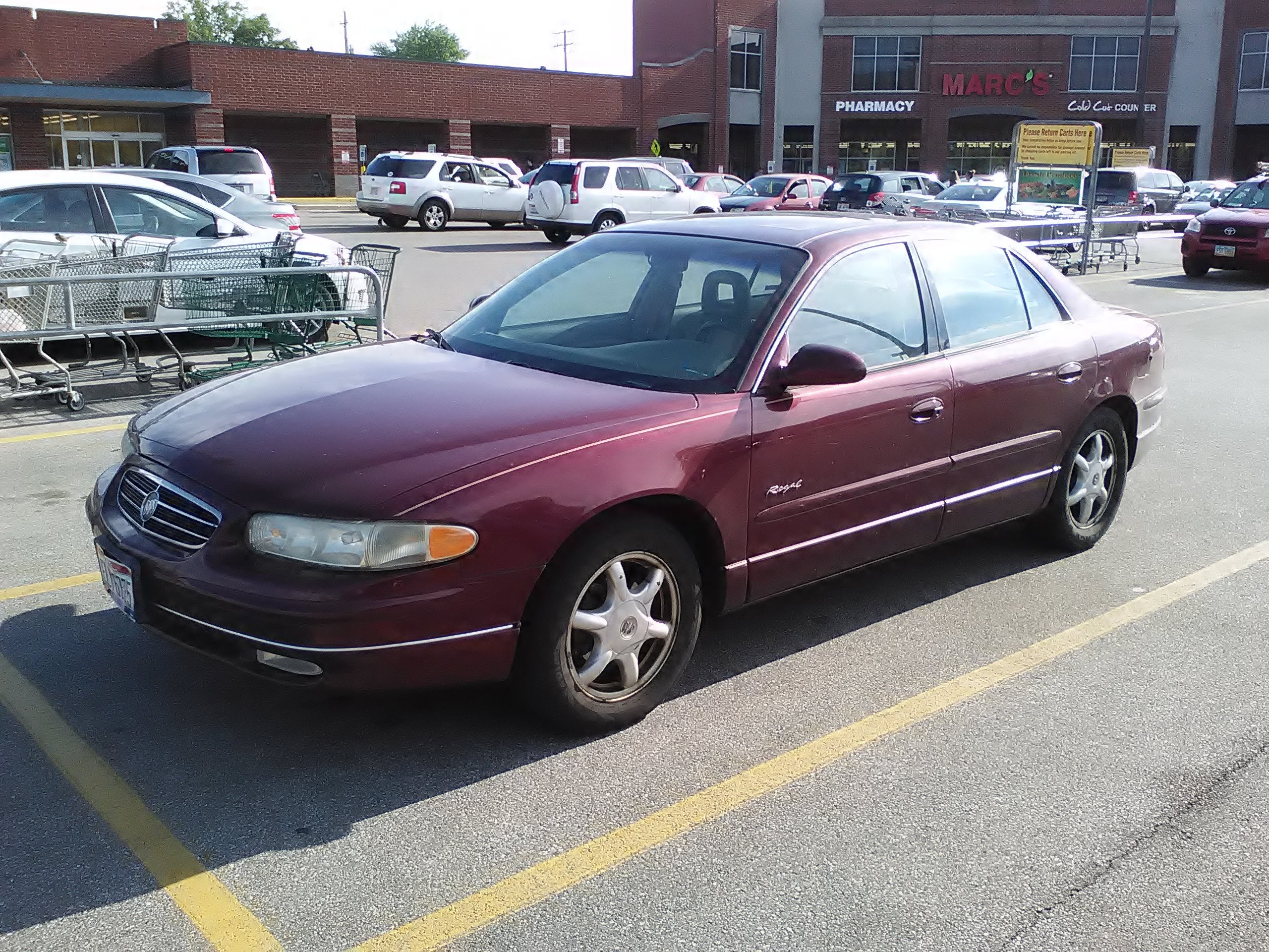 Junk 2000 Buick Regal in Cleveland